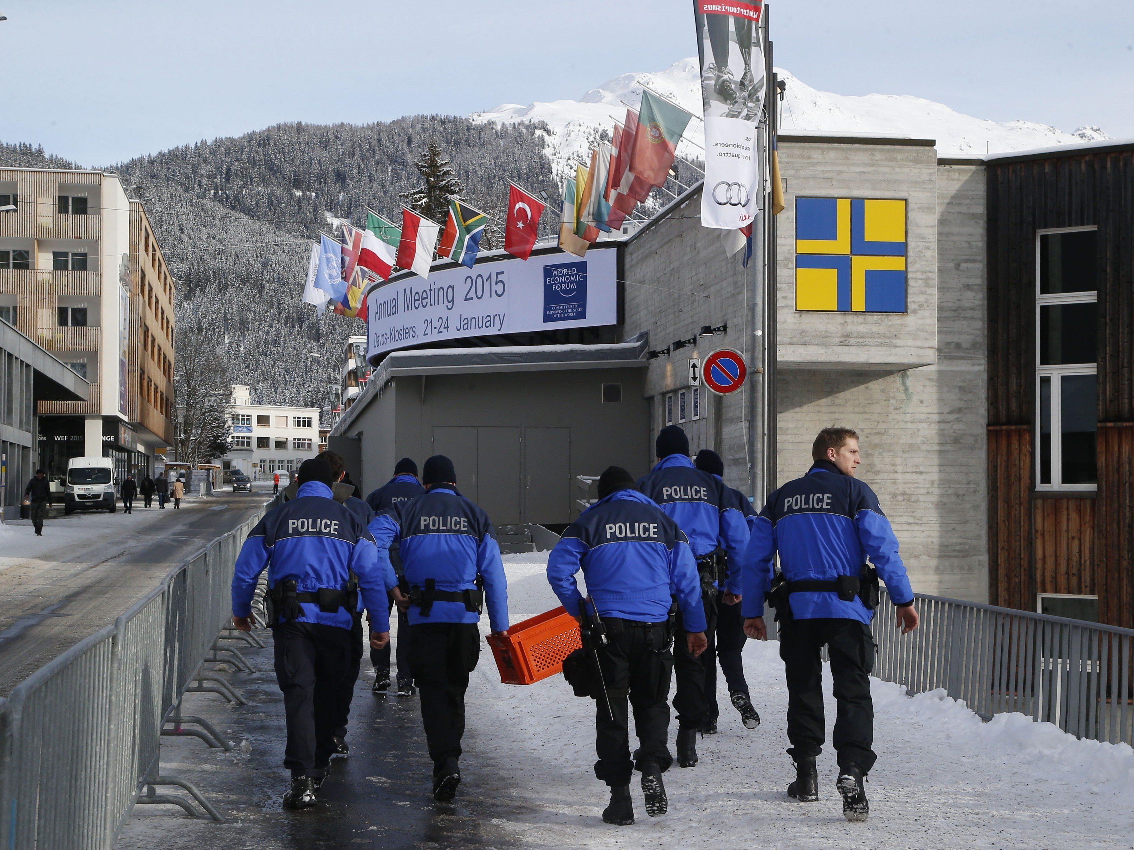 """Sicherheitsmaßnahmen verstärkt: """"Jihadistisch motivierte Einzeltäter"""" als größte Gefahr."""