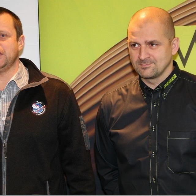Geschäftsführer Michael Lampert und Trainer Milos Holan hoffen in Zell am See auf Punkte.