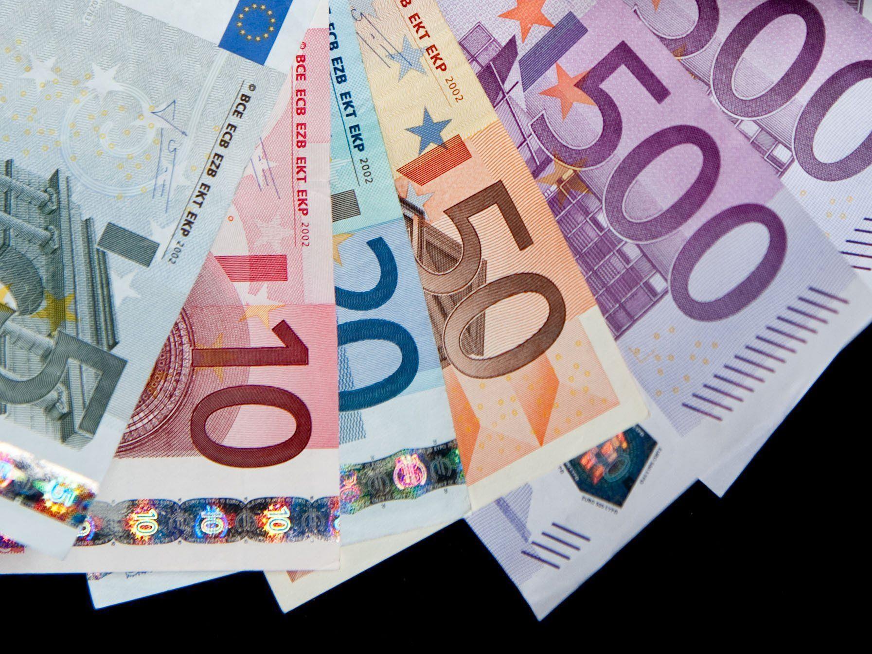 Bei den neuen Betrügermaschen werden oft nach mehrern Tausend Euro gefragt.