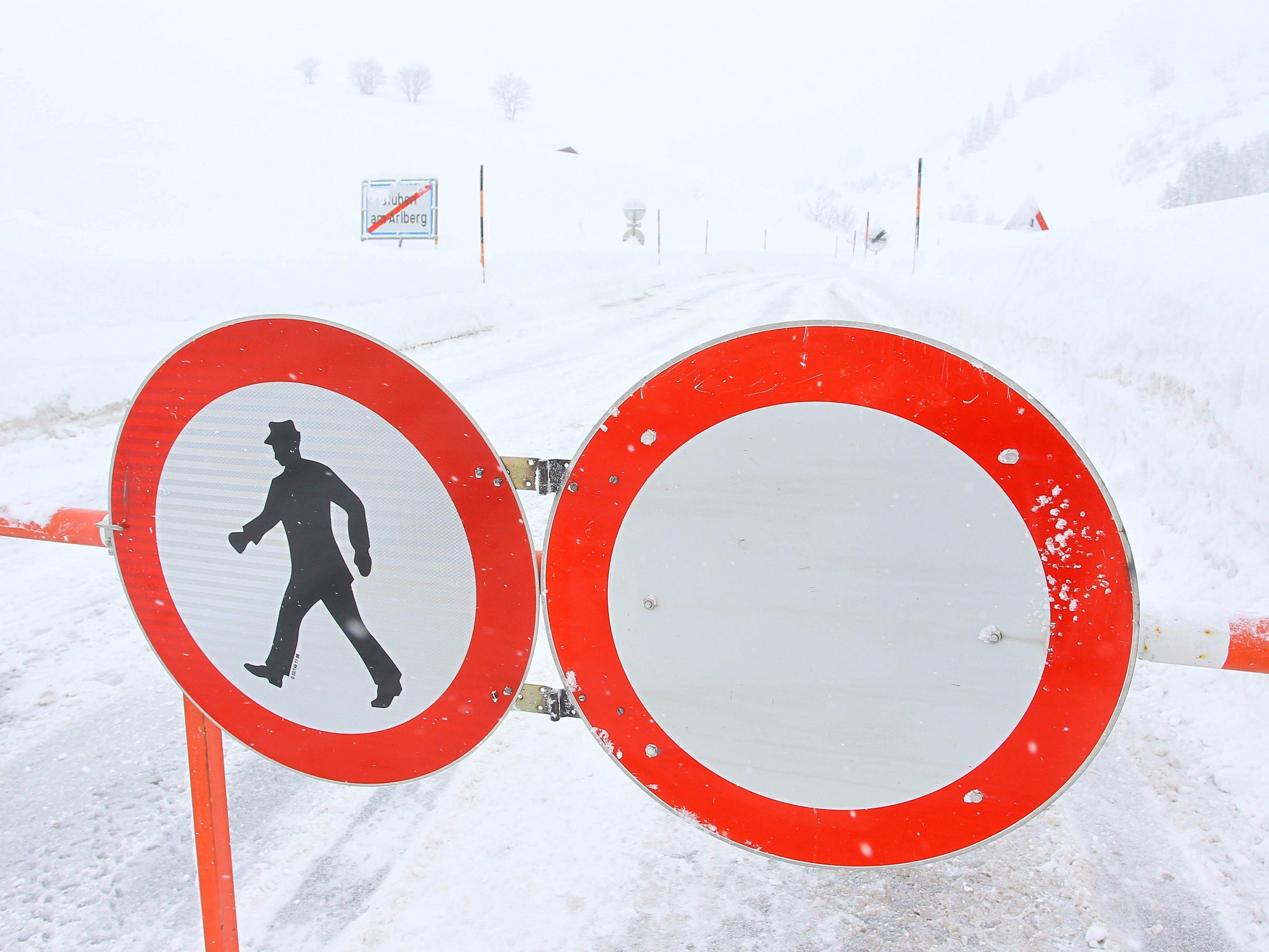 Wintersperren, wie hier bei Stuben am Arlberg, sind in Vorarlberg keine Seltenheit.