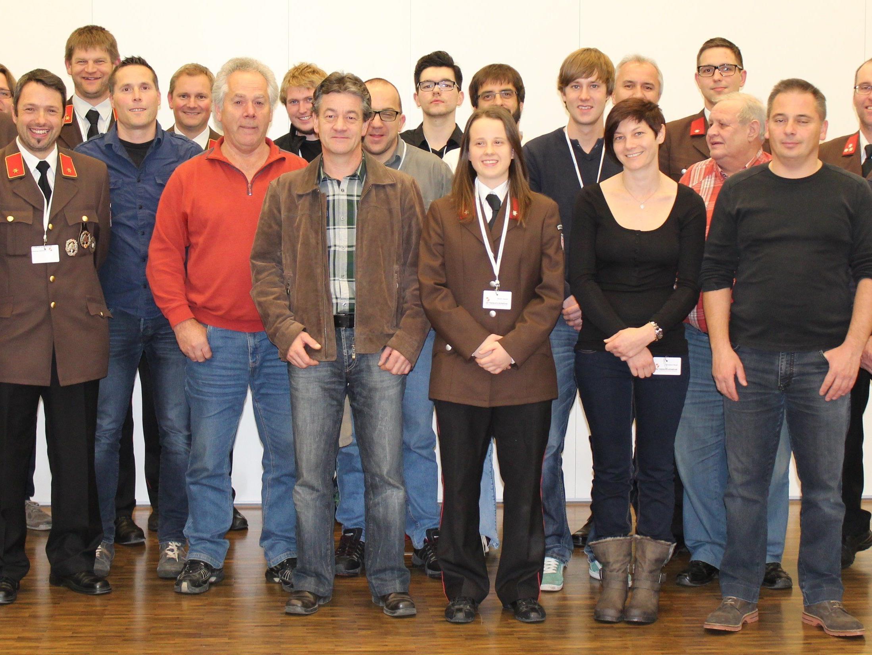 Mannschaft mit ehemaligen Mitgliedern der Betriebsfeuerwehr LKH Feldkirch