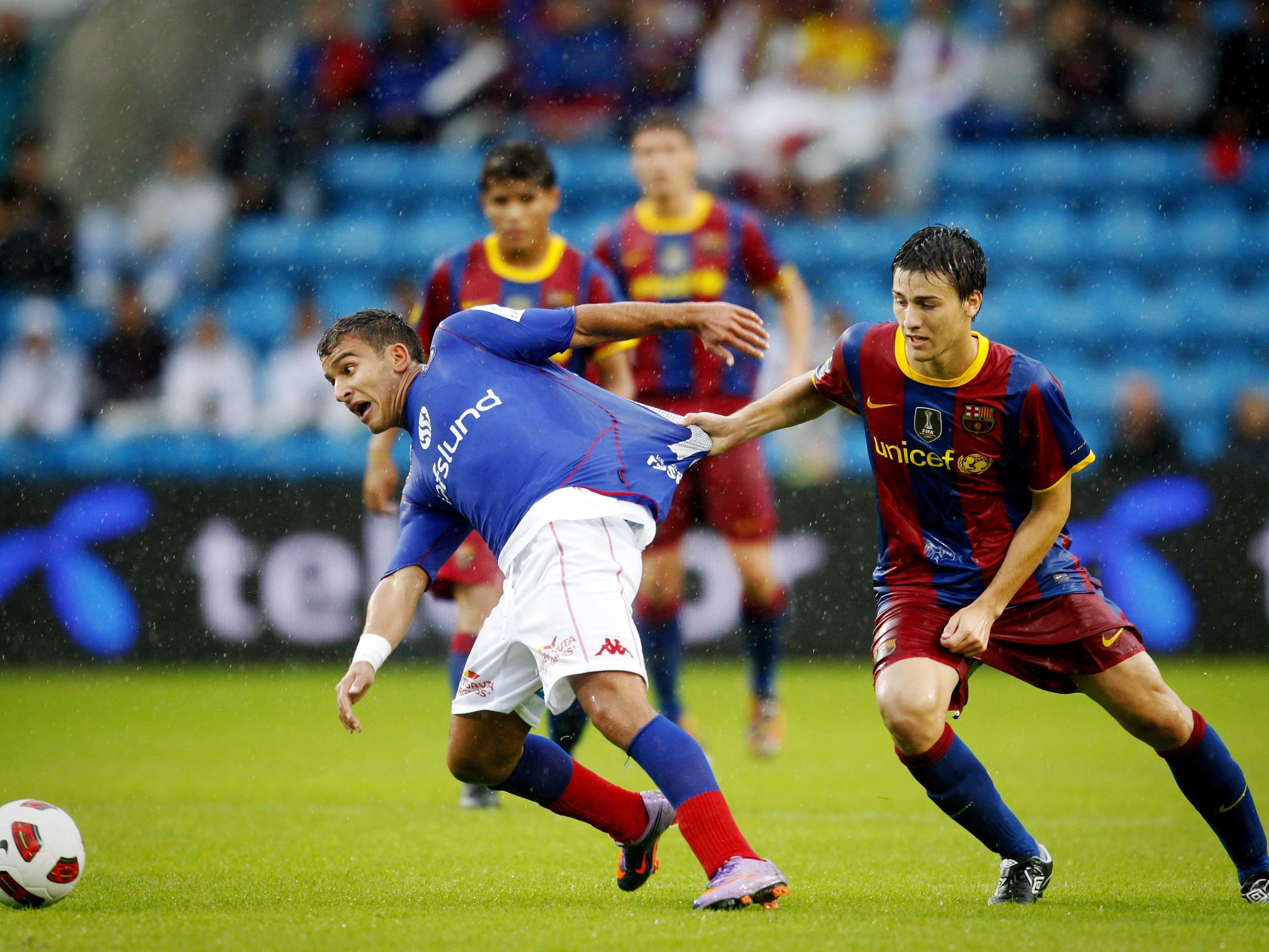 Riverola durchlief die Nachwuchsschule des FC Barcelona und verbuchte in der Saison 2011/12 unter dem damaligen Trainer Josep Guardiola einen Einsatz in der Champions League.