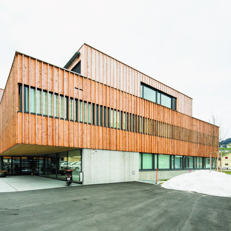 """""""Es ist immer schön, in einem schönen Gebäude zu arbeiten."""" Jeannette Fritsche (Arztassistentin)"""