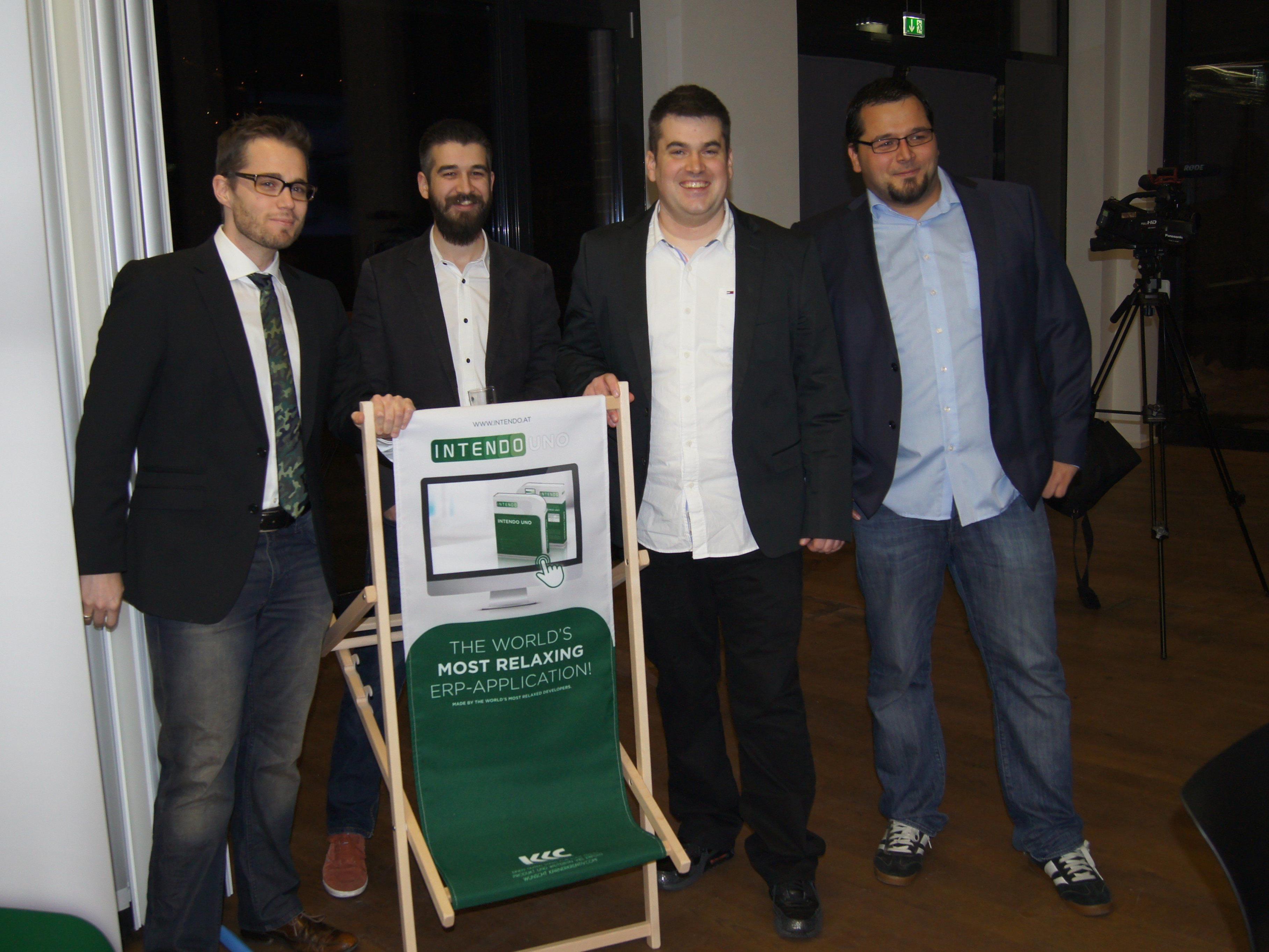 """Stolz und zufrieden präsentierte sich das Team von """"Intendo Enterprise Applications""""."""