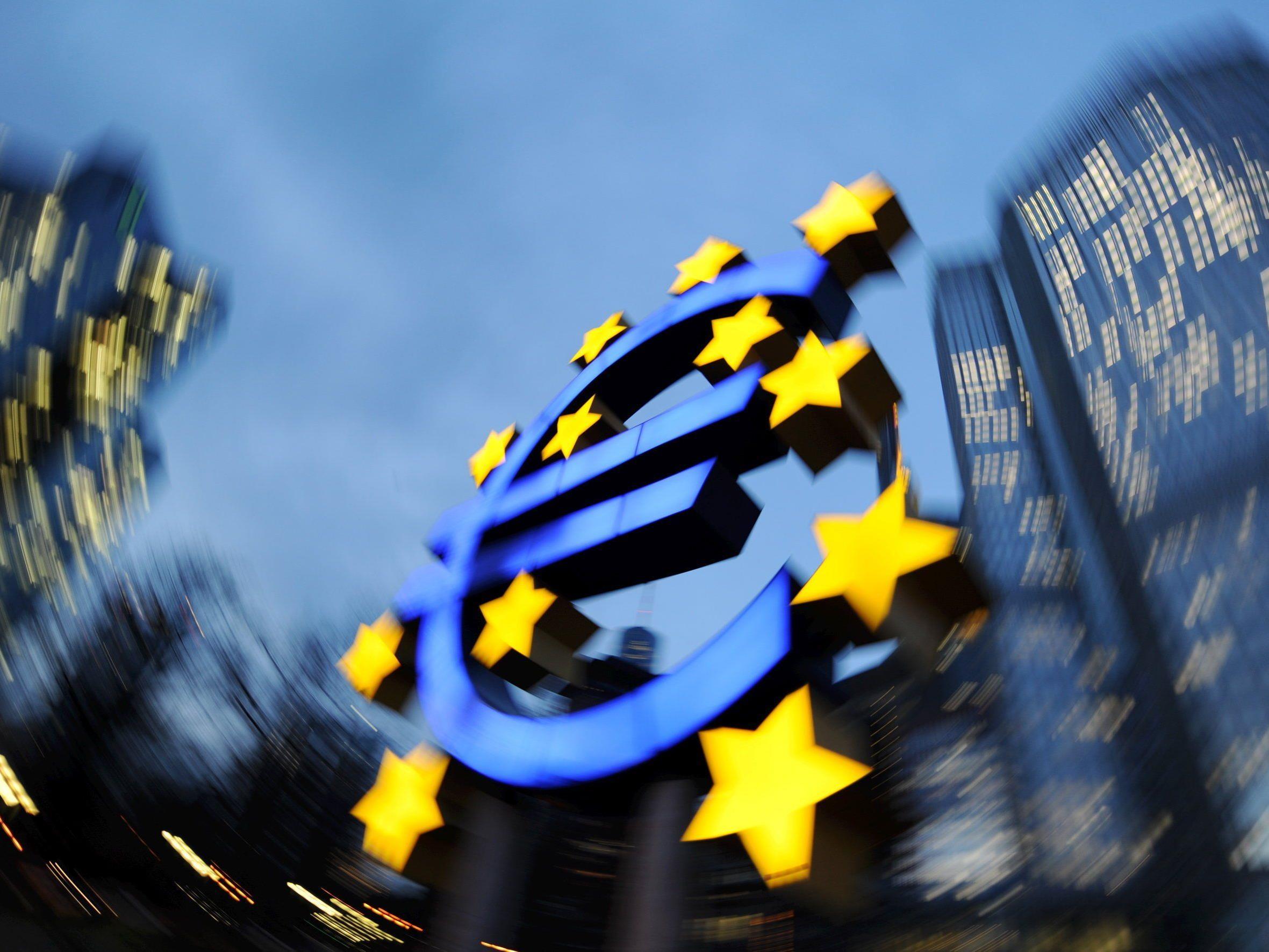 EZB öffnet Geldschleusen und schwemmt Märkte mit über einer Billion Euro.