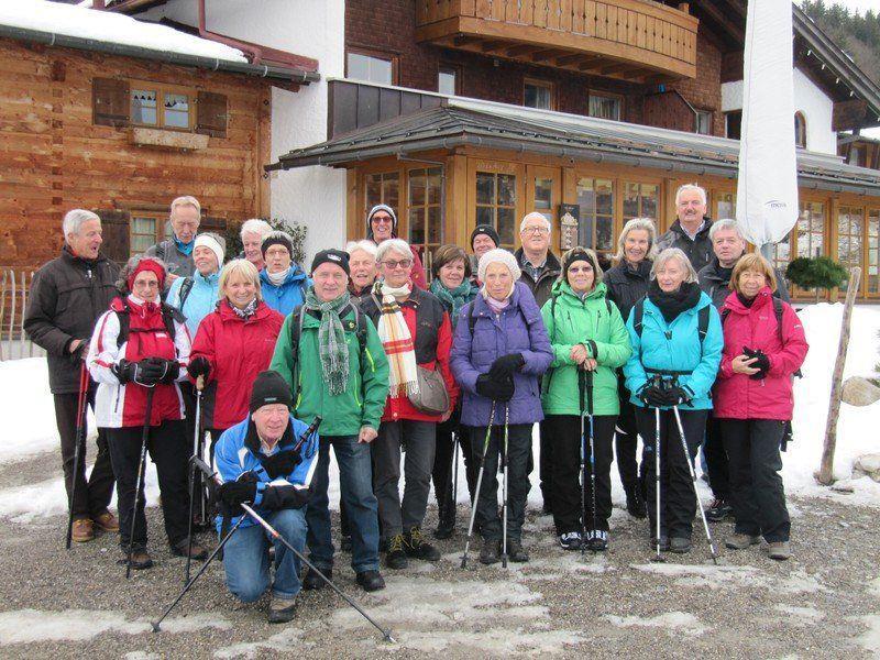 Wandergruppe zur Eiswelt Breitachklamm