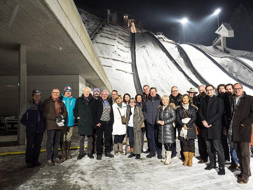 Mitglieder des Vorarlberger Presseclubs: Beeindruckt vom Sportzentrum und der Olympia-Vorbereitung