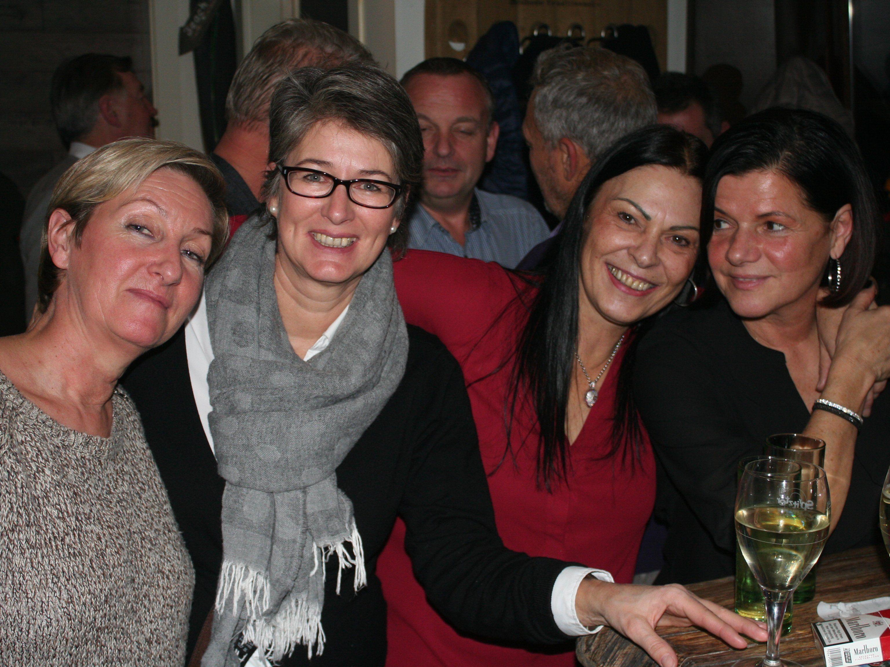 Zahlreiche Gratulanten versammelten sich im neuen Lokal im Vorkloster