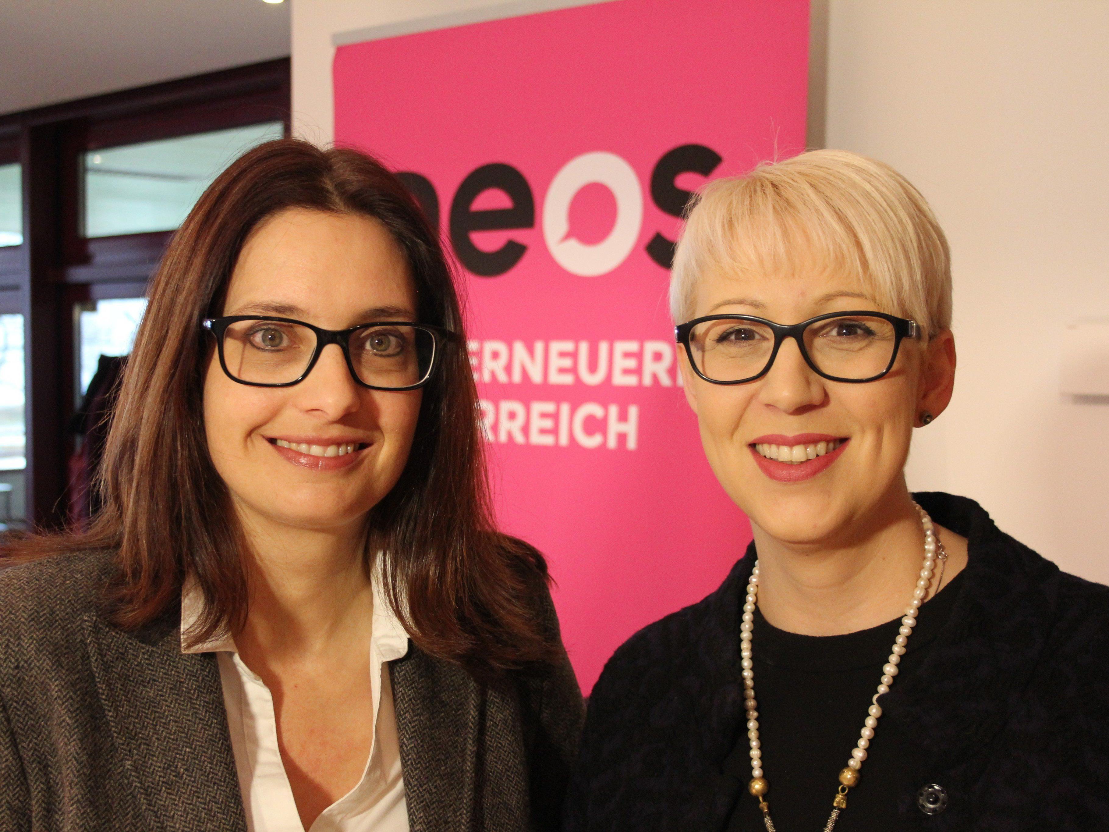Martina Pointner und Sabine Scheffknecht sitzen seit 100 Tagen im Landtag.