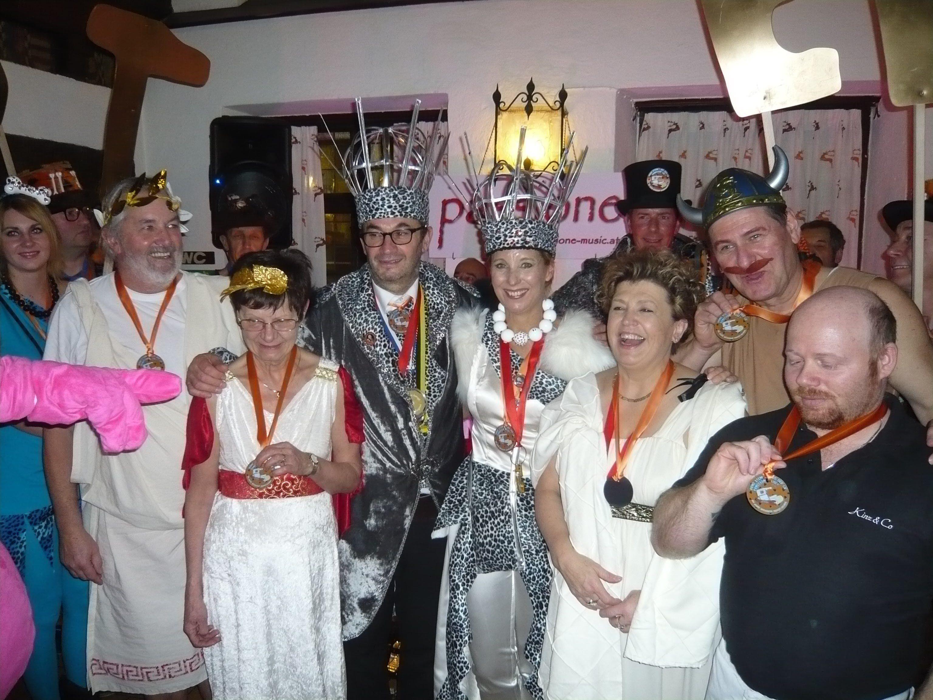 Das Bregenzer Prinzenpaar mit Andrea Kinz beim Kirchsträßler-Ball.