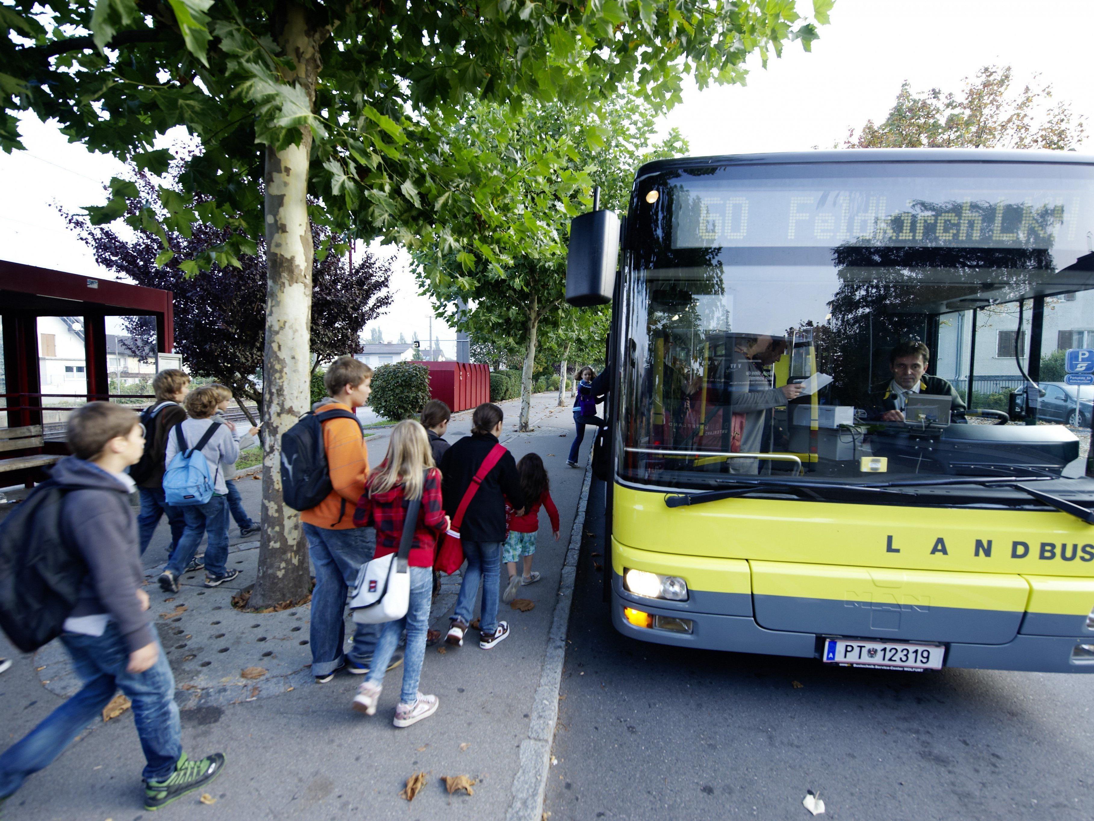 Die Rankweiler Schüler des Gymnasiums Rebberggasse haben mehrere Buslinien zur Auswahl.