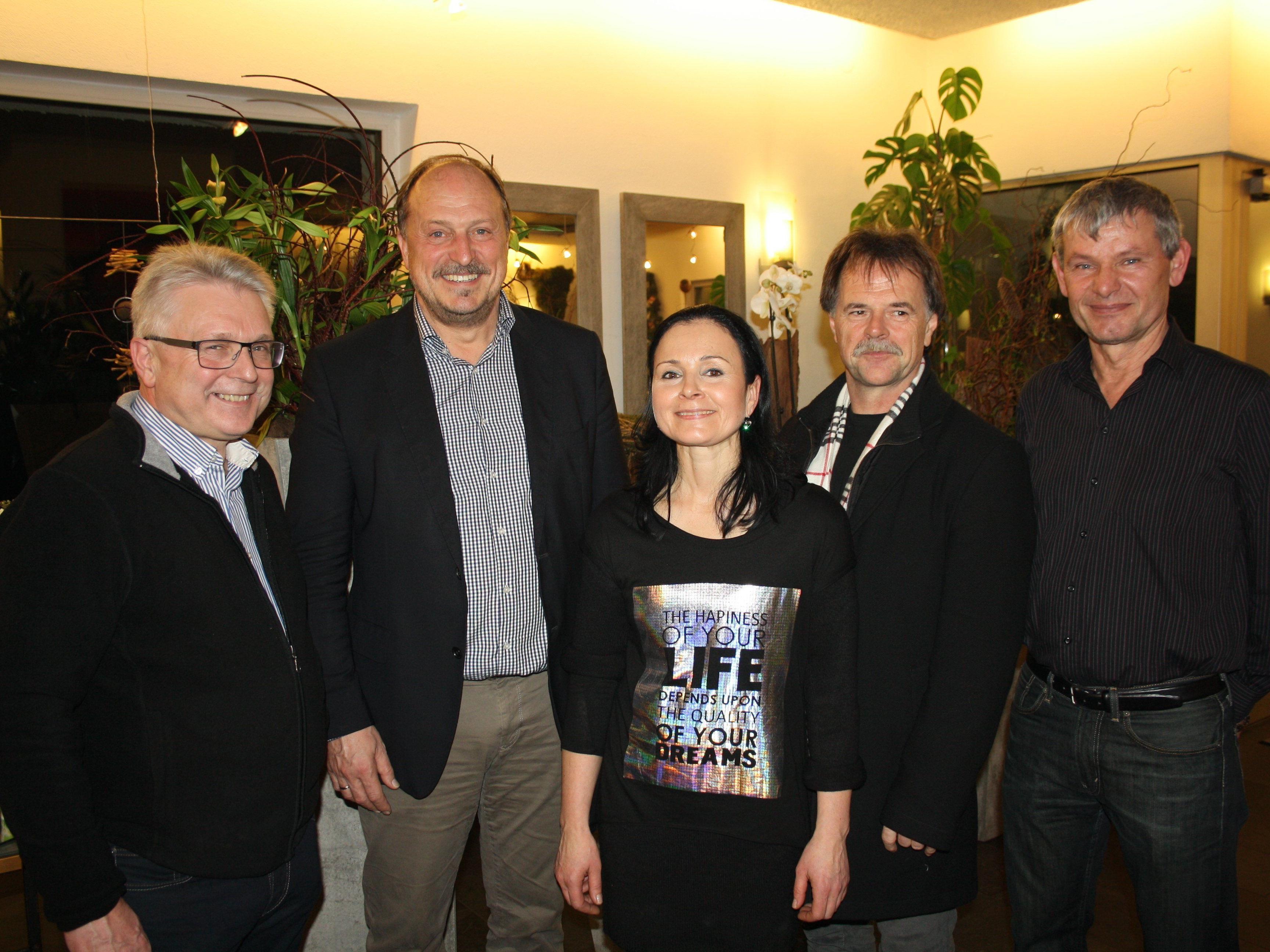 Lothar Natter, Bgm. Karl Hehle, die Obfrau der Unternehmerbörse Leiblachtal Veronika Matt, Hubert Mangold und Herbert Gunz.