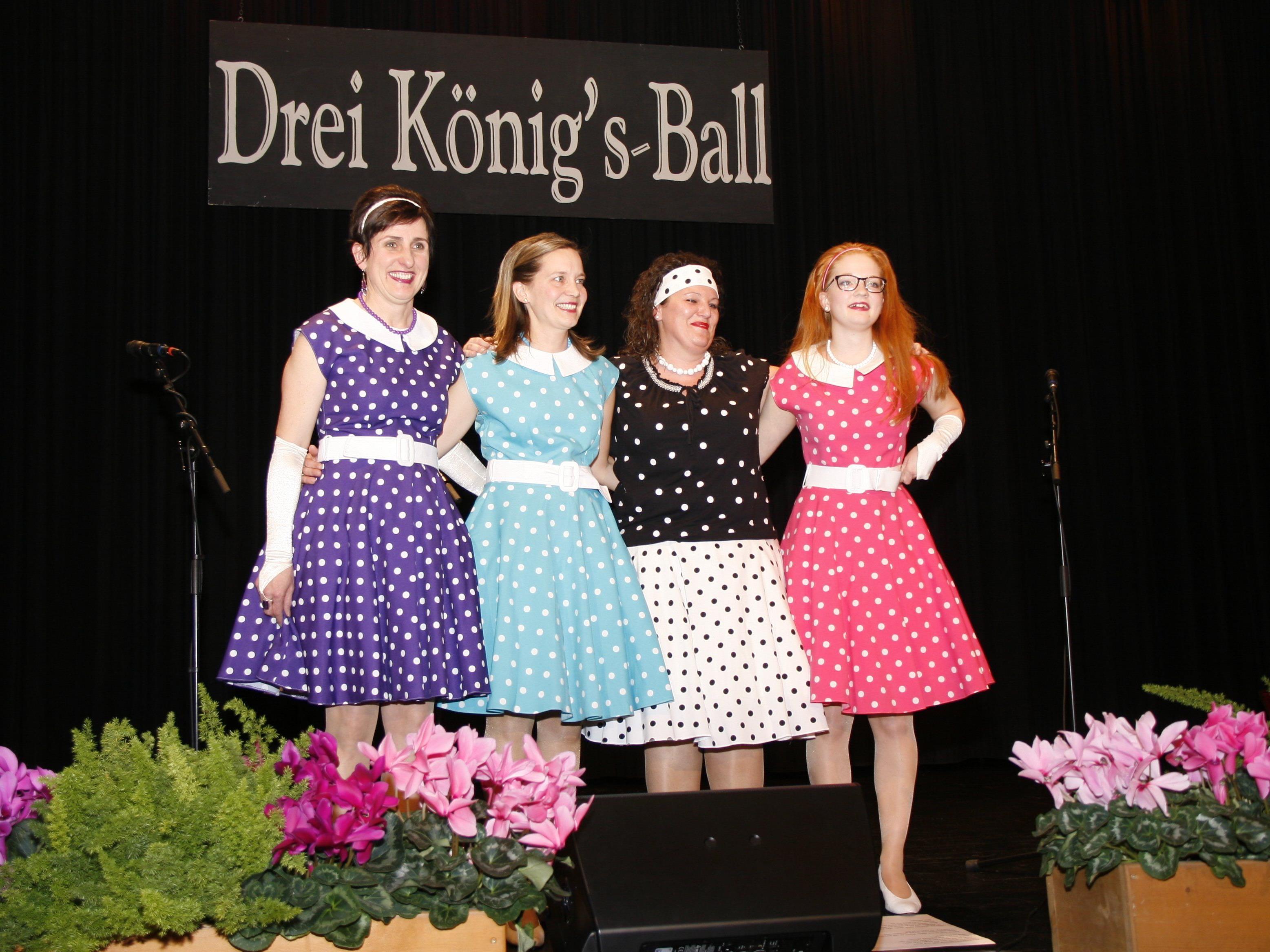 Damen-Acapella-Chor mit Bettina, Nicole, Lisi und Maria.