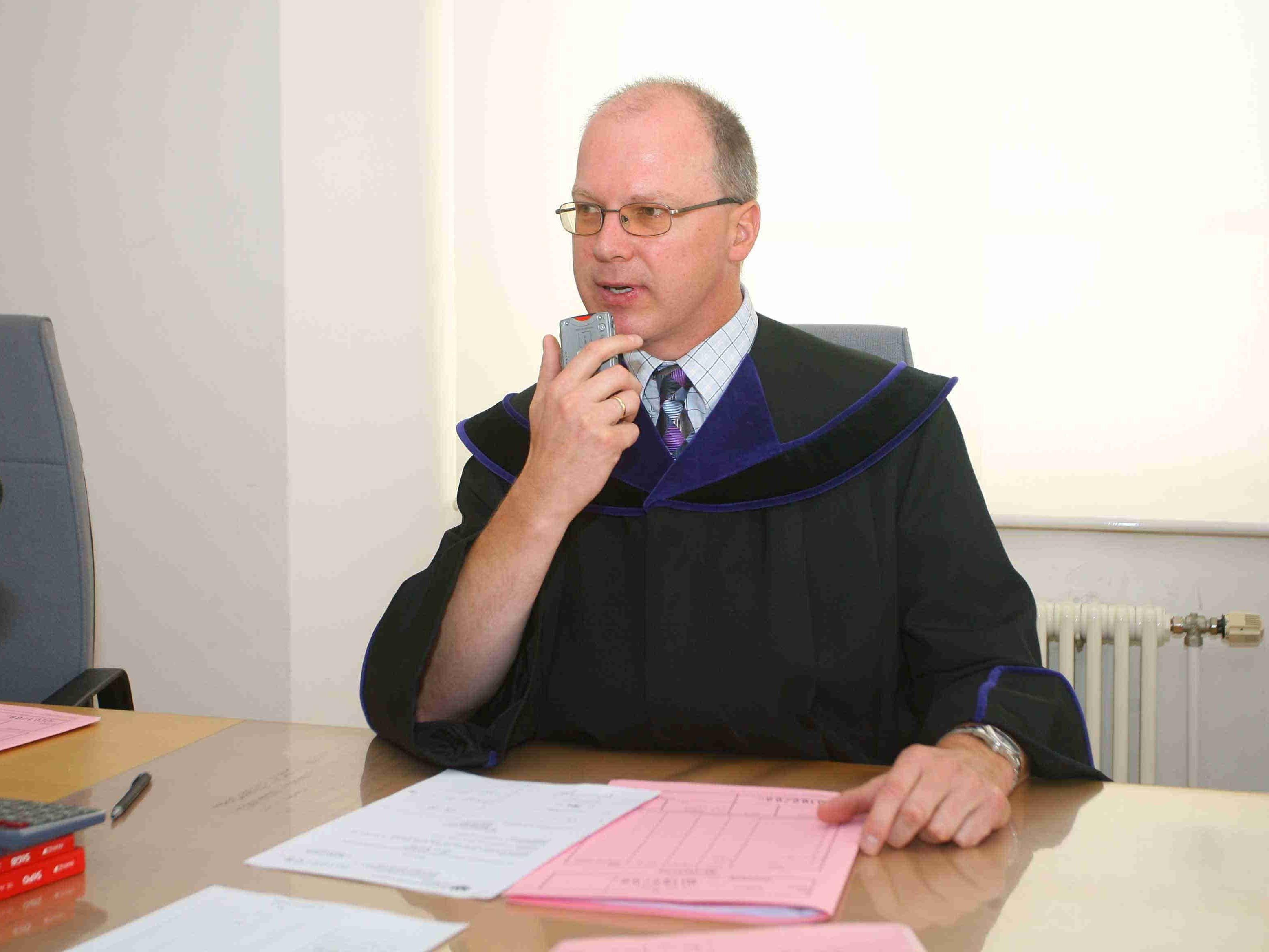 Richter Christian Röthlin verhängte eine Geldstrafe.