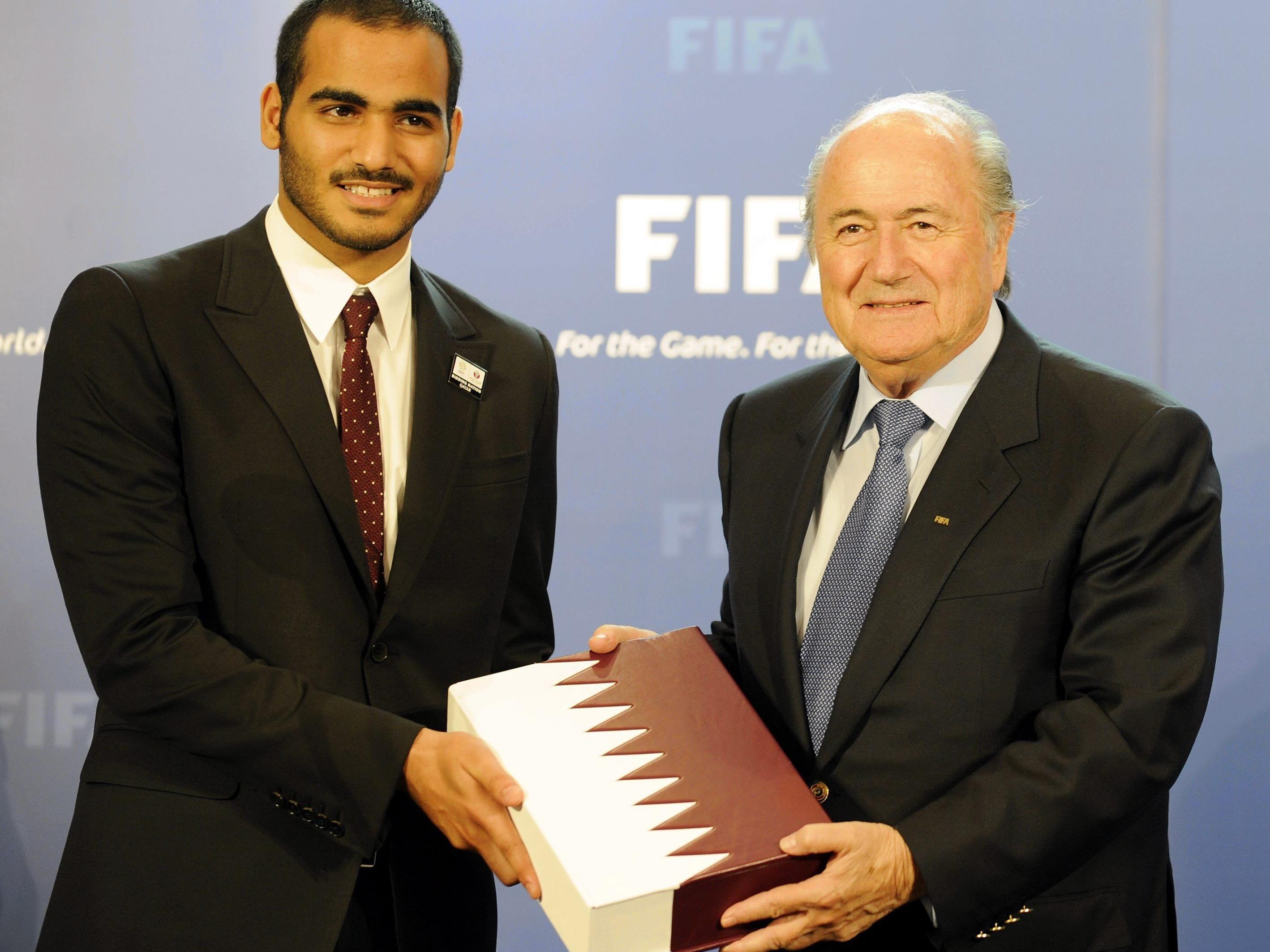 Sheik Mohammed bin Hamad bin Khlifa Al Thani mit Fifa-Präsident Sepp Blatter.