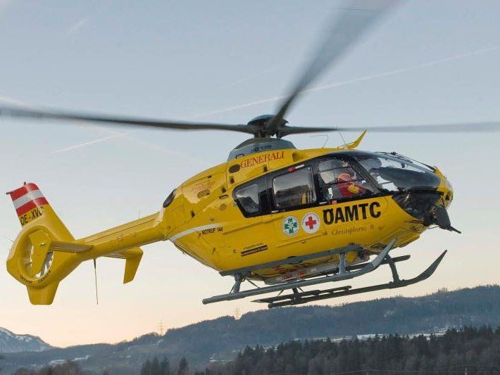 Rettungshubschrauber bei Skiunfällen im Einsatz