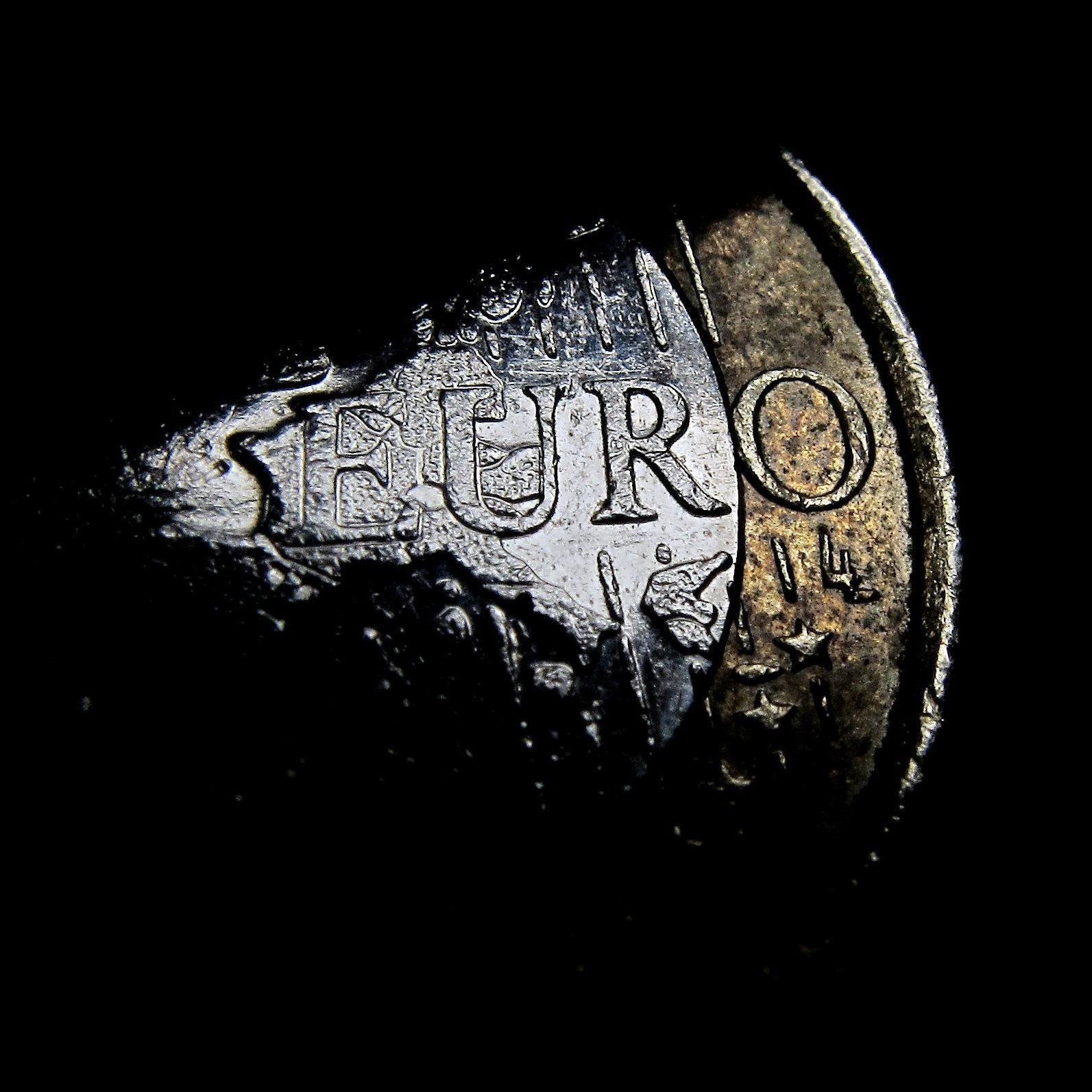 Was der fallende Euro für Verbraucher und Firmen bedeutet