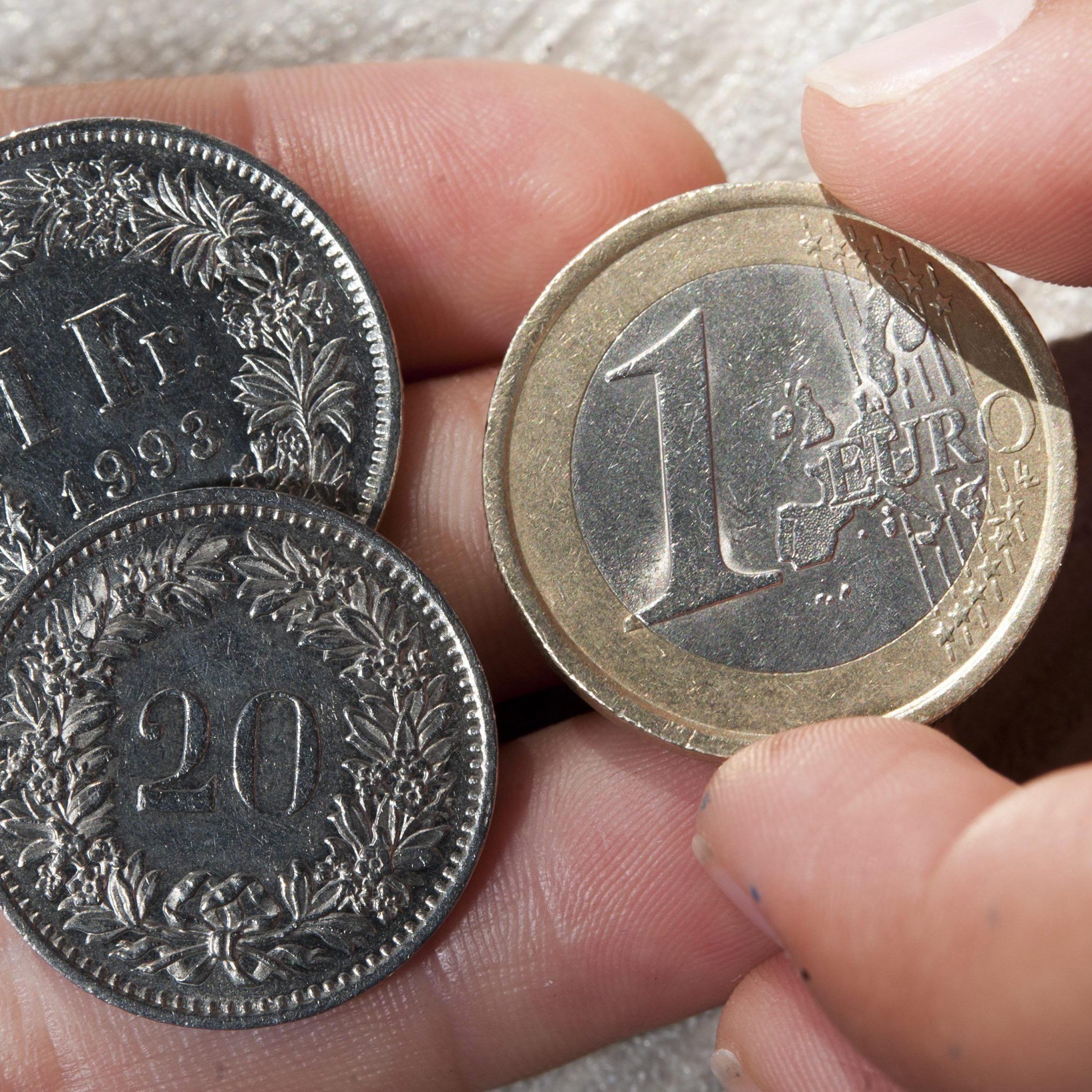 Kein Mindestkurs mehr: Der Franken hebt ab, der Euro gibt nach.
