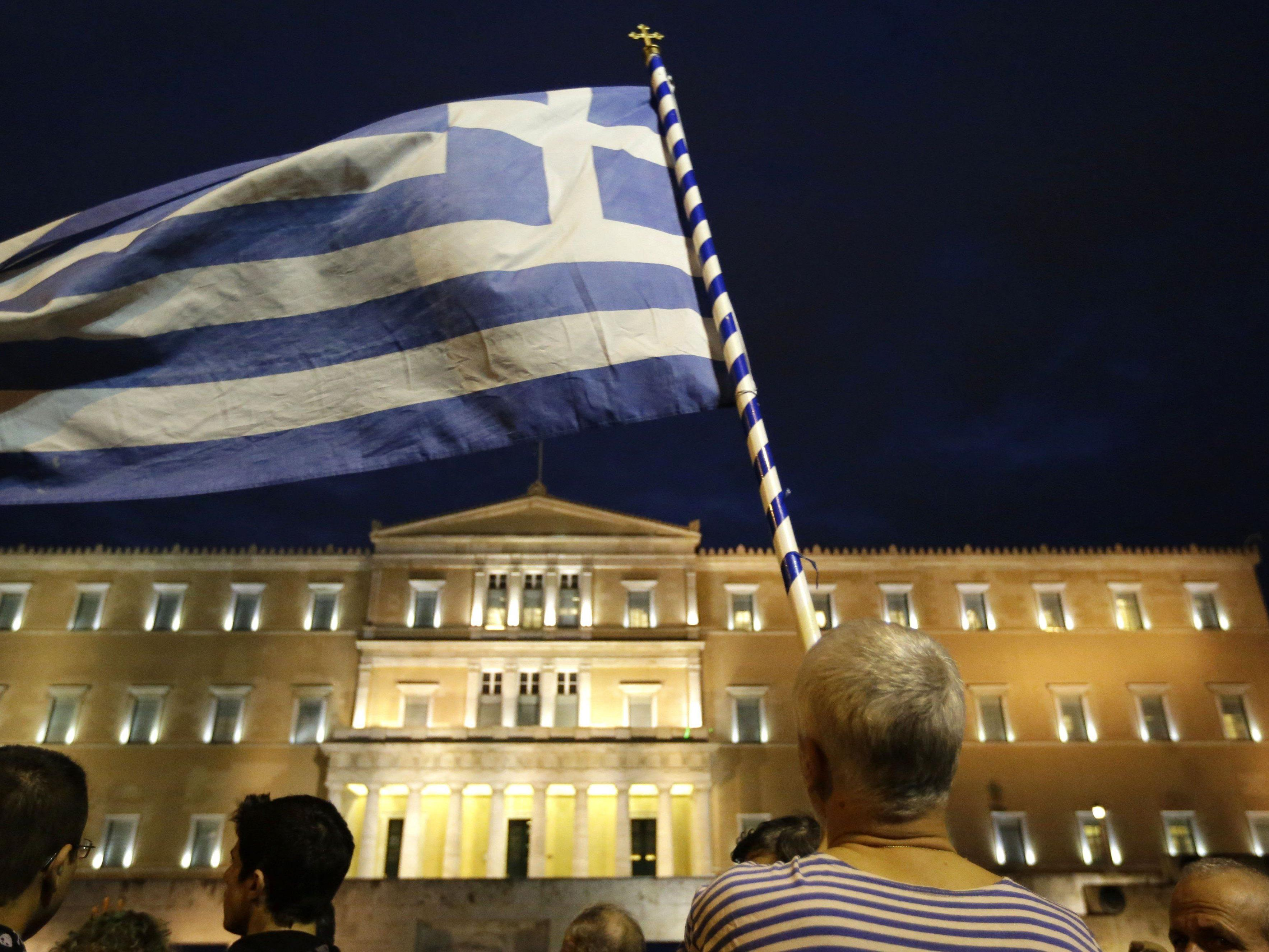 Hitzige Debatte über Euro-Aus Griechenlands