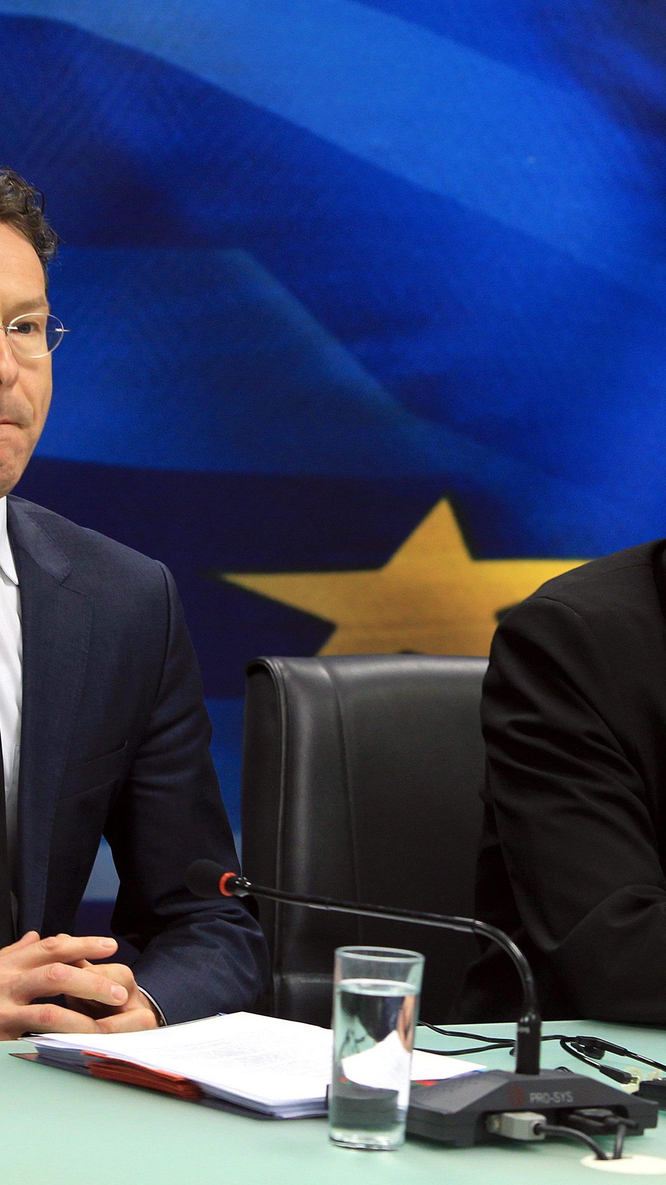 Athen kündigt Kooperation mit Troika-Experten auf. Im Bild: Eurogruppen-Chef Dijsselbloem und der griechische Finanzminister Varoufakis