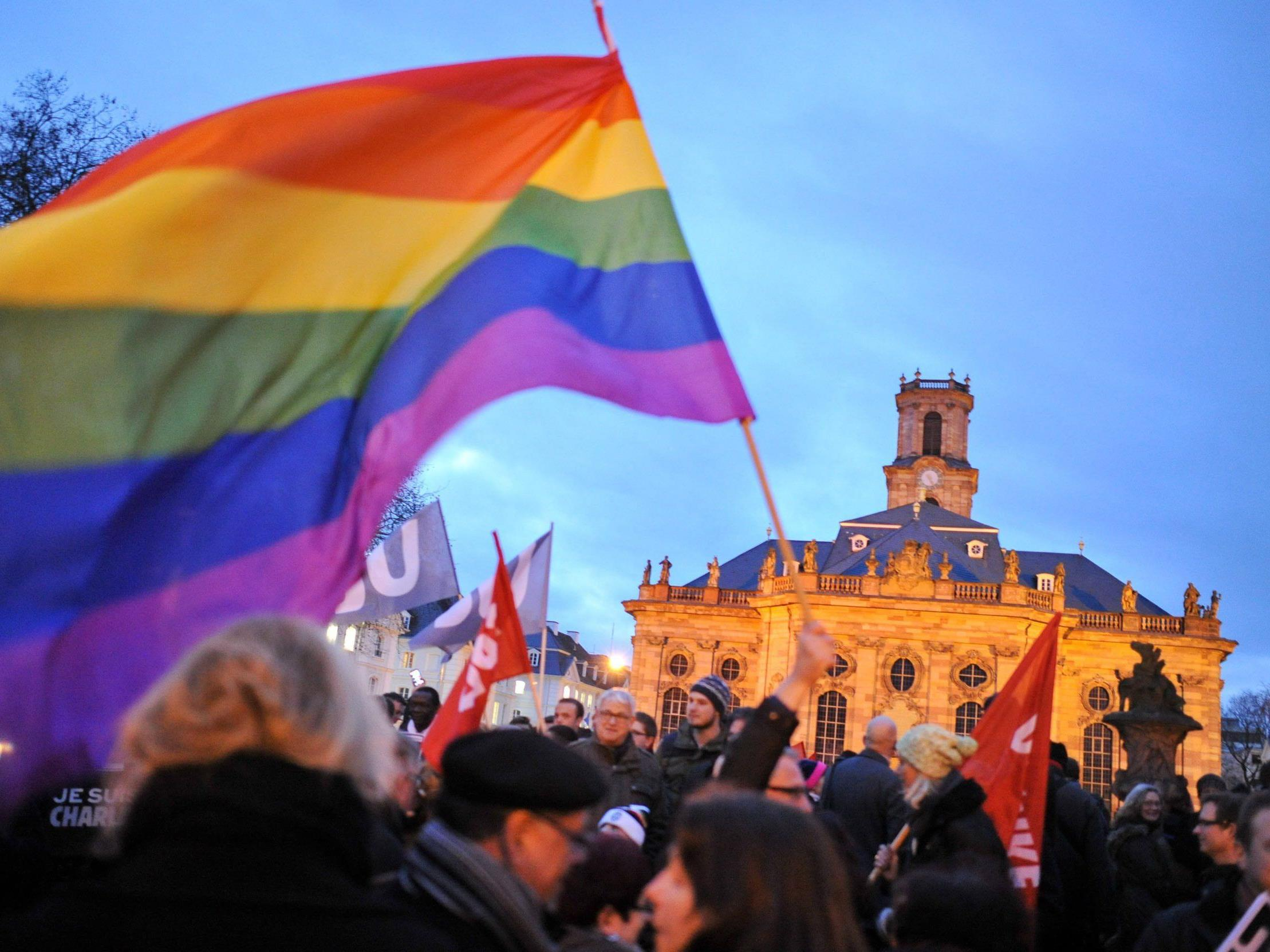 Rund 100.000 Menschen bei Anti-Pegida-Demonstrationen in Deutschland