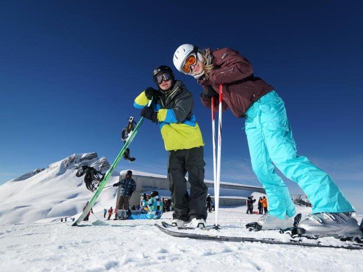 Im Westen wird noch häufiger Ski gefahren als im Osten Österreichs