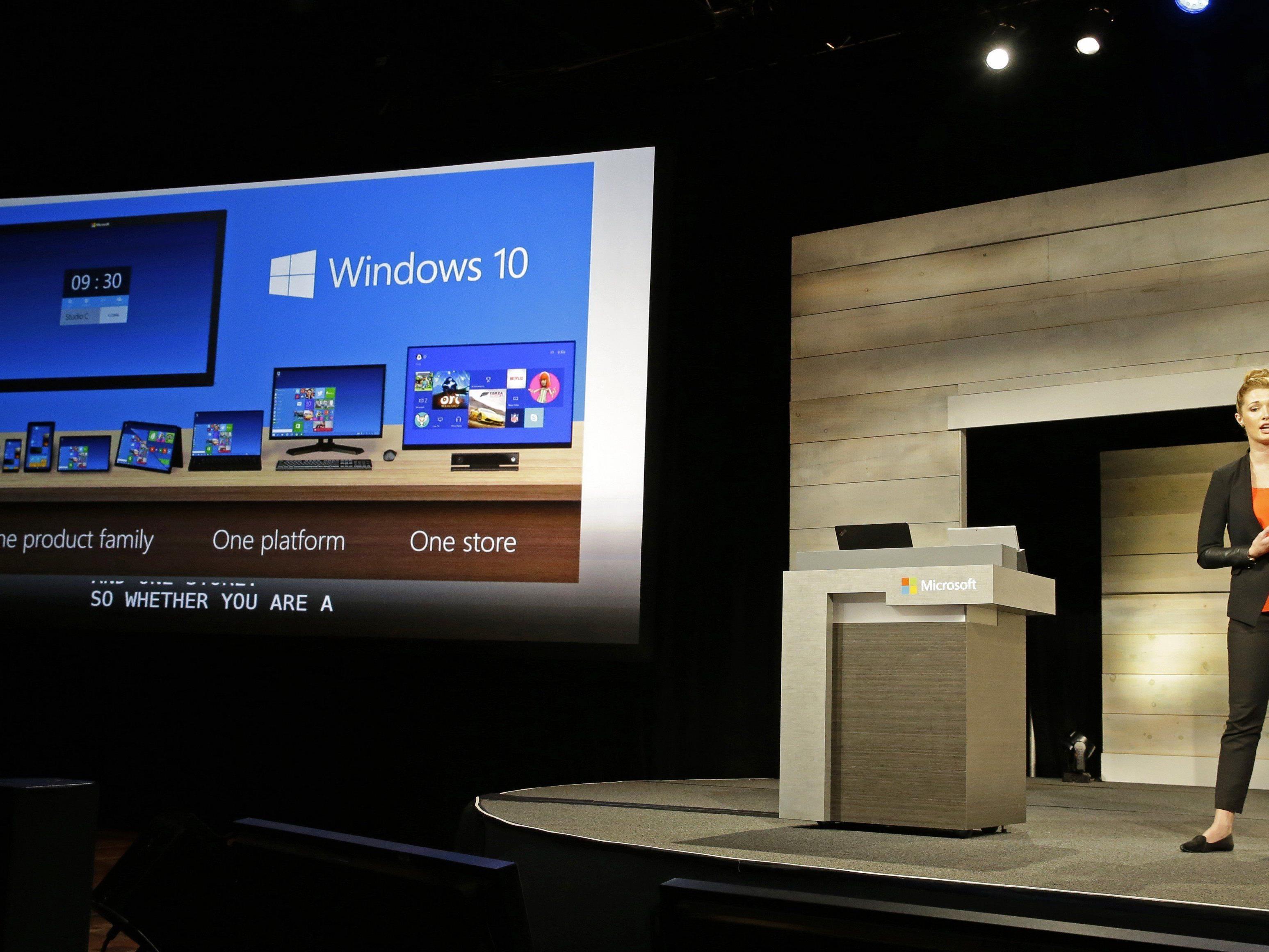 Microsoft stellt Windows 10 öffentlich vor. Im Bild die Präsentation für Aktionäre Anfang Dezember 2014.