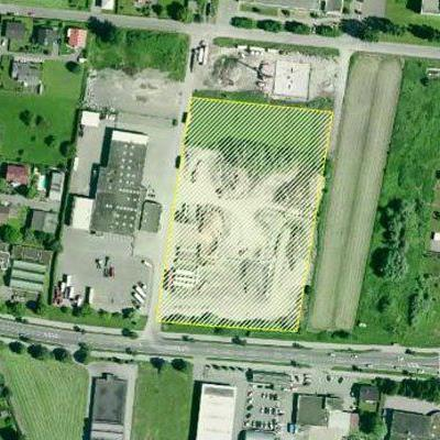 Die Möbelhandelskette Lutz interessiert sich für dieses Grundstück am Südrand des Millennium Park. Allerdings gibt es auch andere Interessenten.