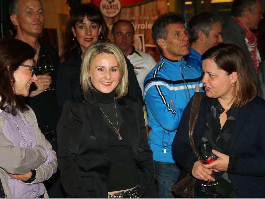 300 Zuschauer bei der Teampräsentation vom heimischen Profiradrennstall in Lauterach.