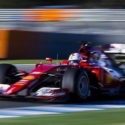 "Vettel als ""Roter Raser"""