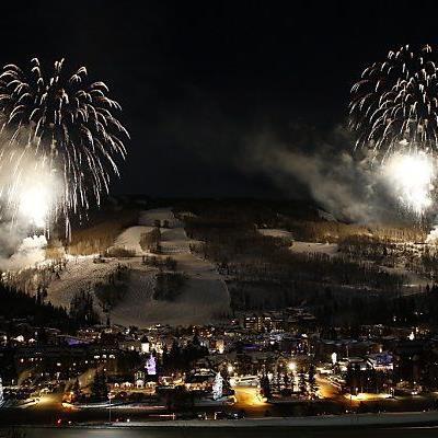 Feuerwerke über den Ski-Hängen von Vail