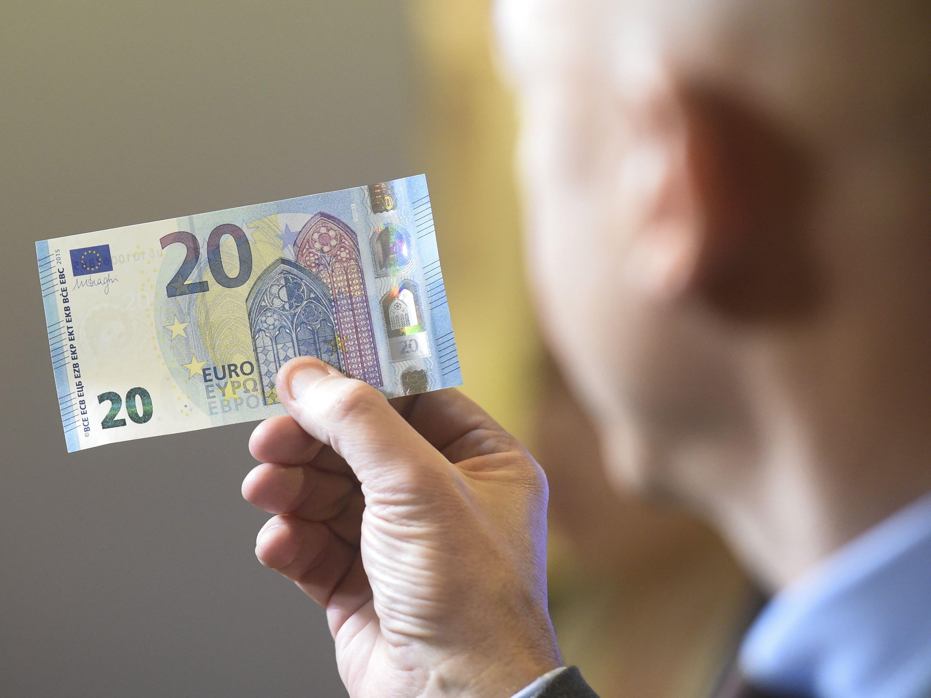 Die neue 20-Euro-Note wird Ende November in Umlauf gebracht.