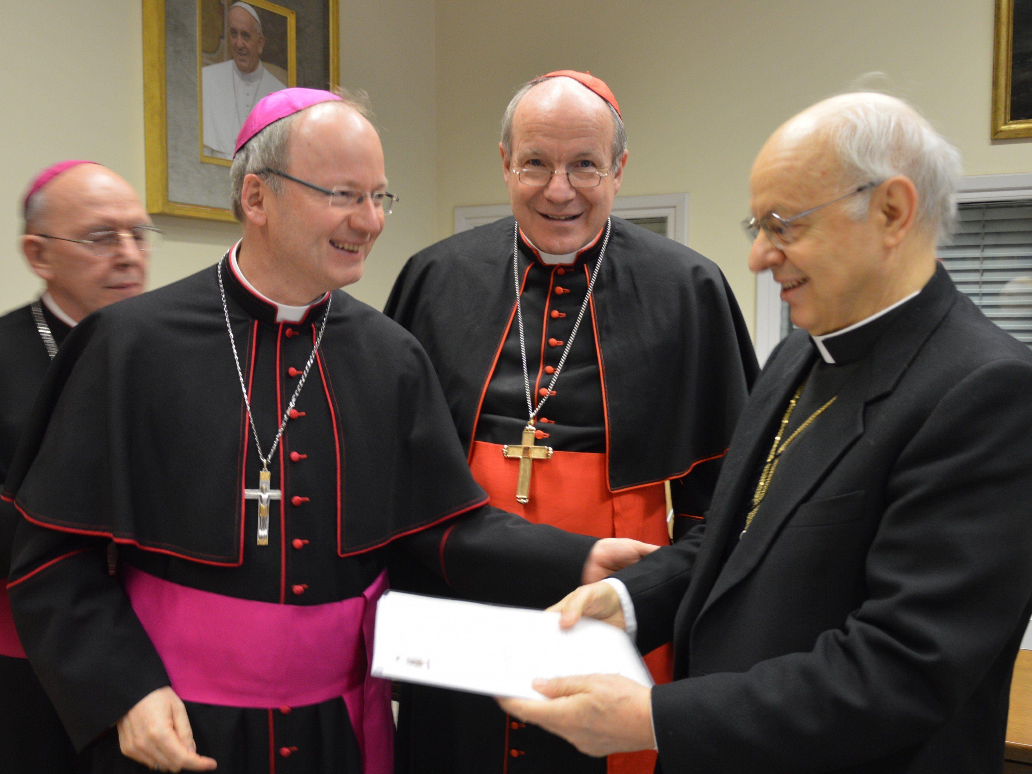 Bischofssynode Familienumfrage: Bischof Elbs, Kardinal Schönborn, Kardinal Baldisseri
