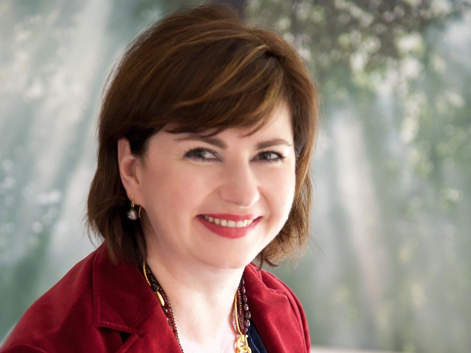 """Dr. Susanne Thönig referiert zum Thema """"Gesund und vital in jedem Alter"""" ."""