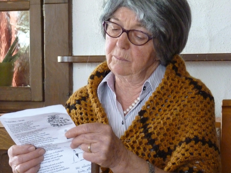 Maria Moser als Großmutter berichtete aus früheren Zeiten.