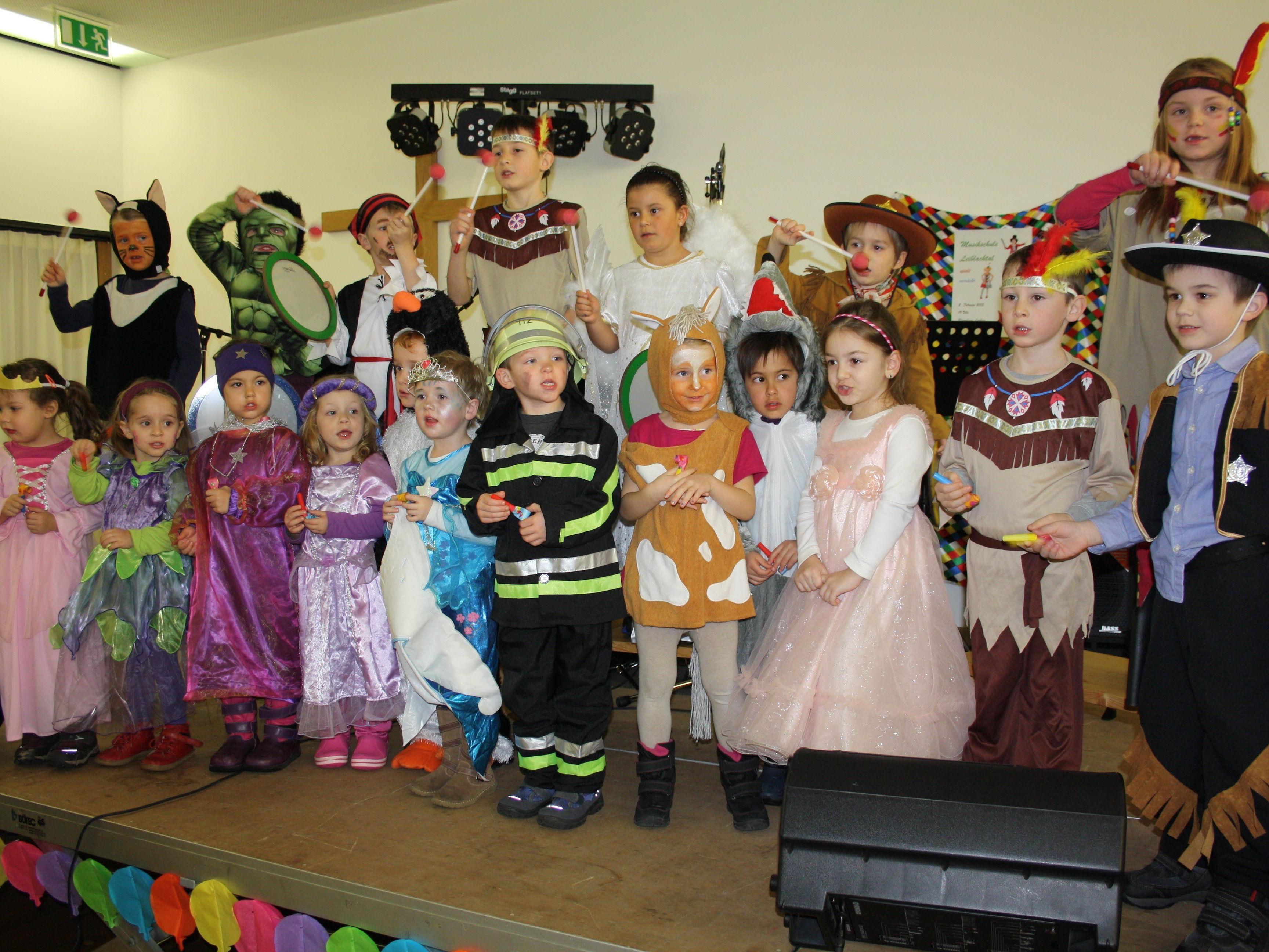 Die Gruppe der Musikalischen Früherziehung sorgte beim verrückten Faschingskonzert der Musikschule Leiblachtal für den bravourösen Auftakt.