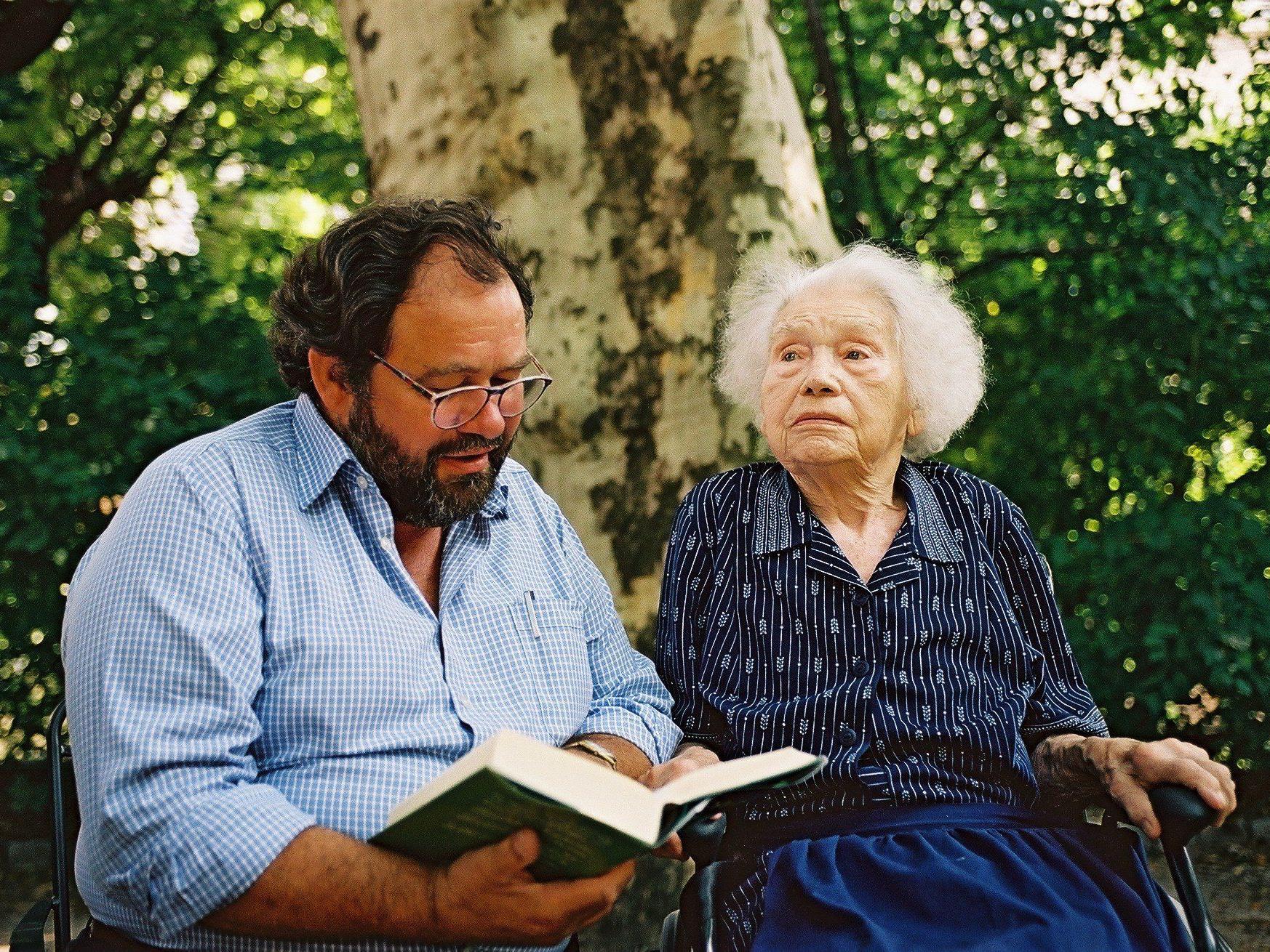 Schulungsprogramm für zukünftige LesepatInnen für SeniorInnen.