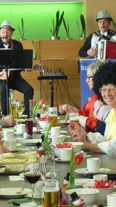 Besucher beim Seniorenfasching