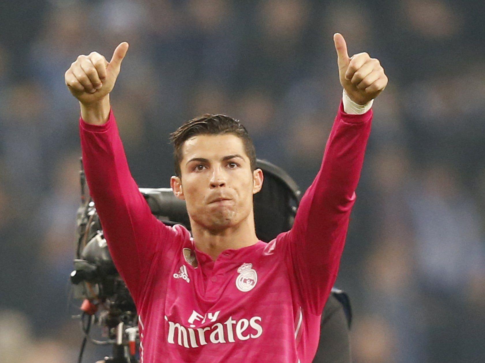 Cristiano Ronaldo hat sicher nichts gegen seinen Gehaltsscheck einzuwenden.