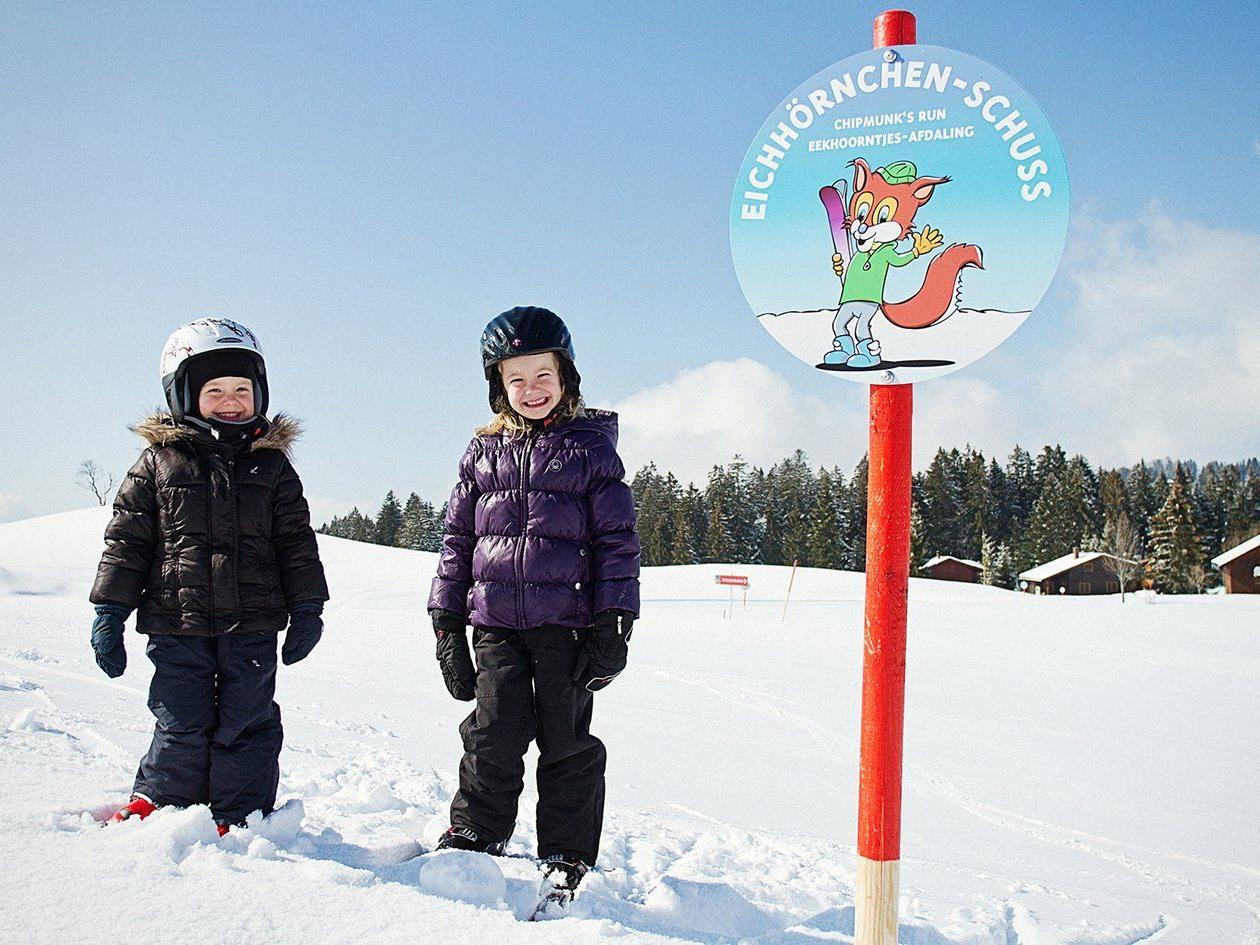 Die Pisten in Schetteregg eignen sich für Skianfänger/innen als auch Fortgeschrittene.