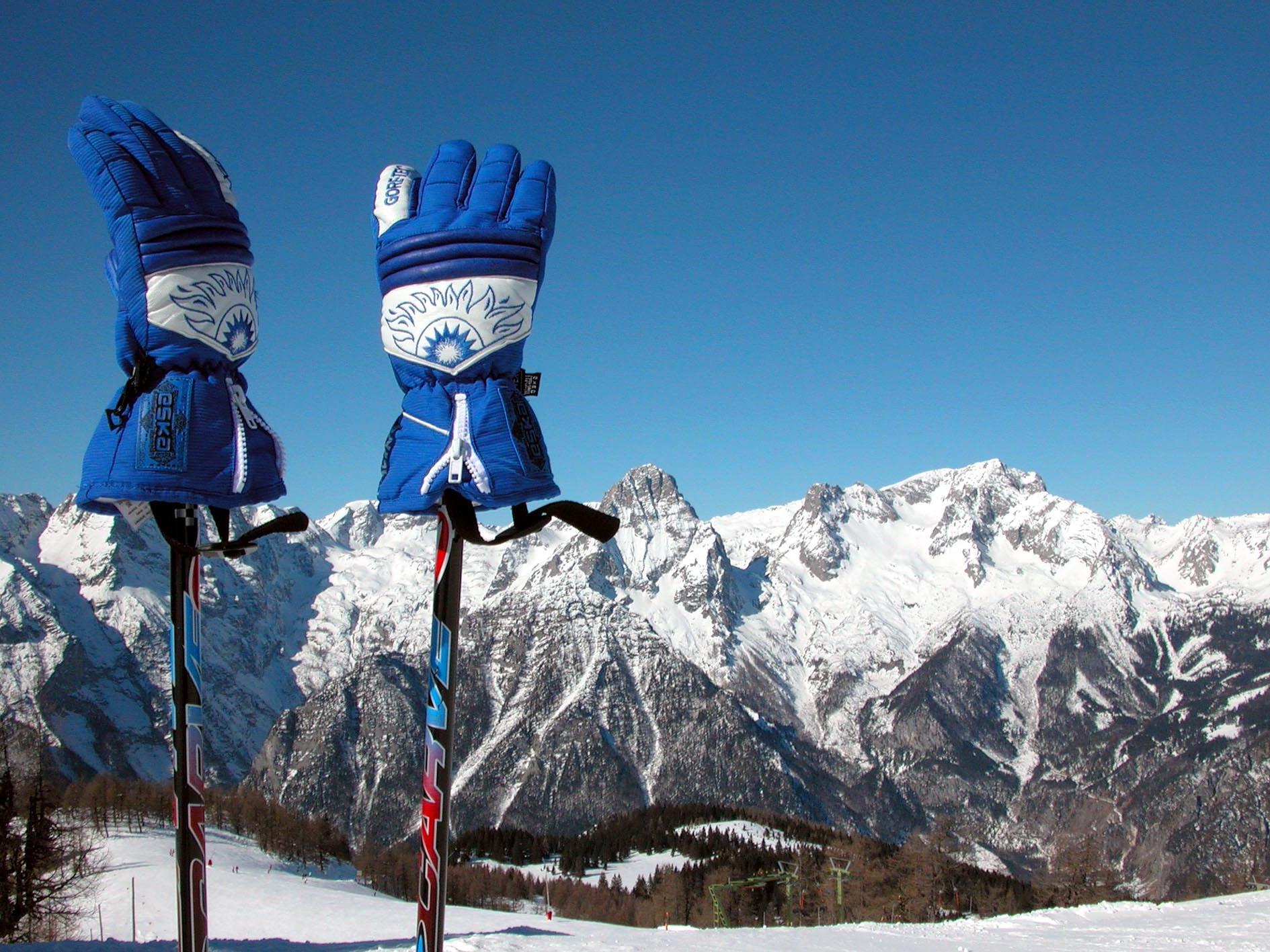 Drei schwer verletzte Wintersportler in Vorarlberg am Montag meldet die Polizei.