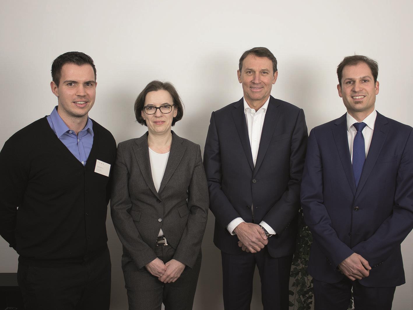 v.l.n.r.: Florian Wassel (TOWA), Ursula Koners (Zeppelin Universität), Werner Deuring (WD Beteiligung) und Reinhard Prügl (Zeppelin Universität)