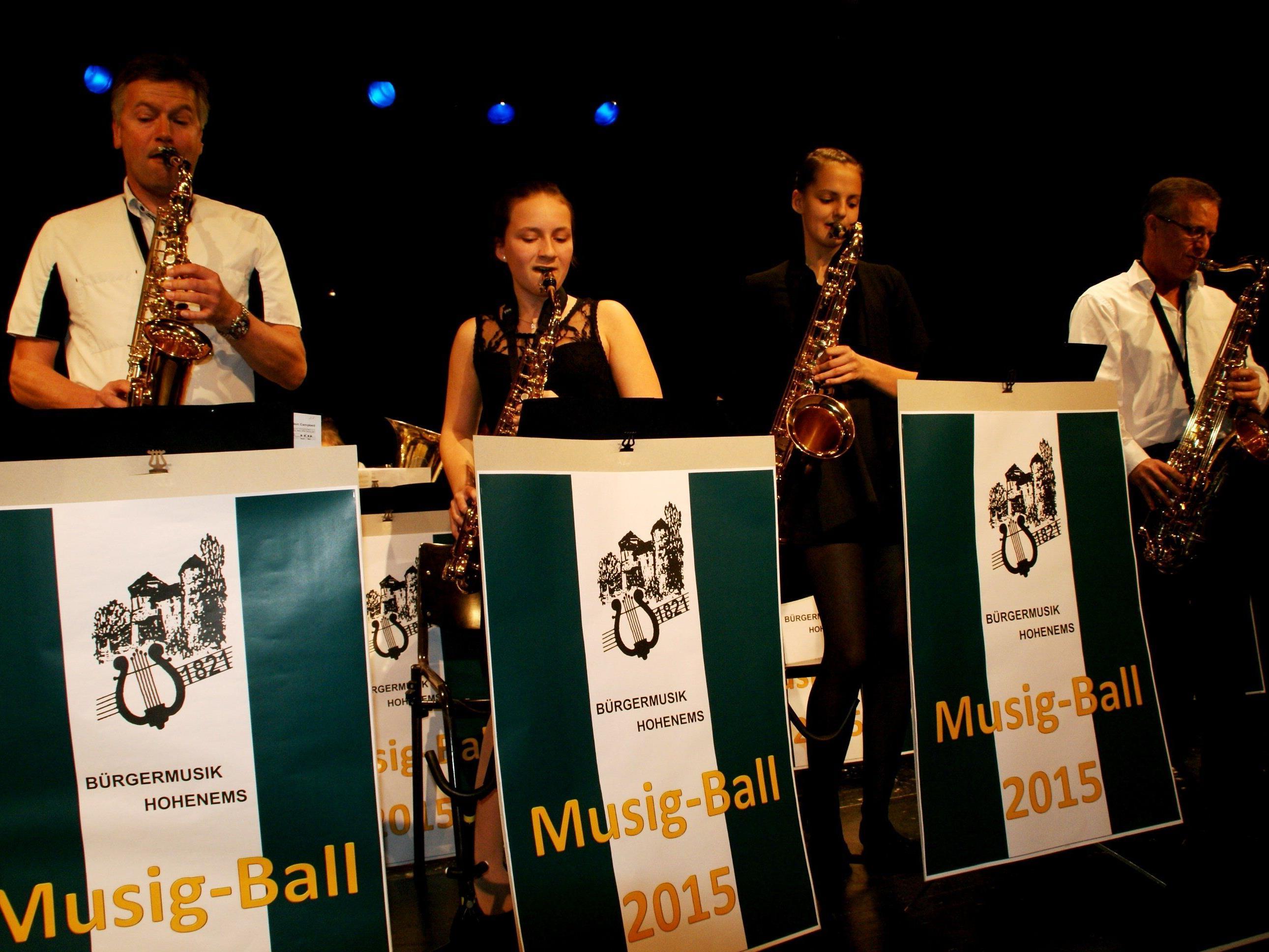 Ein fulminantes Musikprogramm begeisterte die Ballgäste