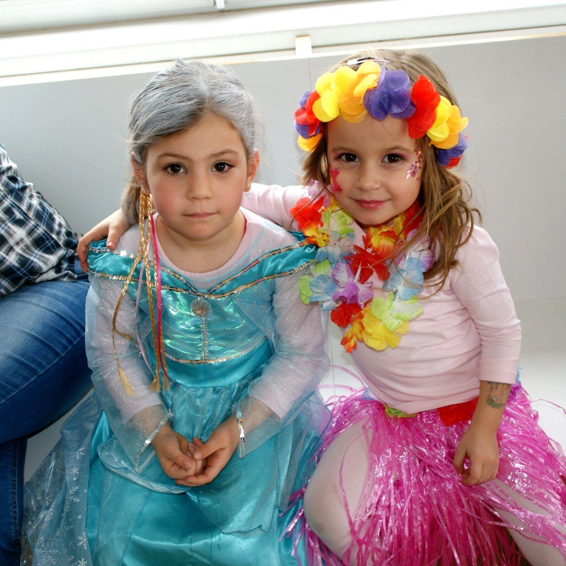 Elena und Alina, zwei kleine Elfen
