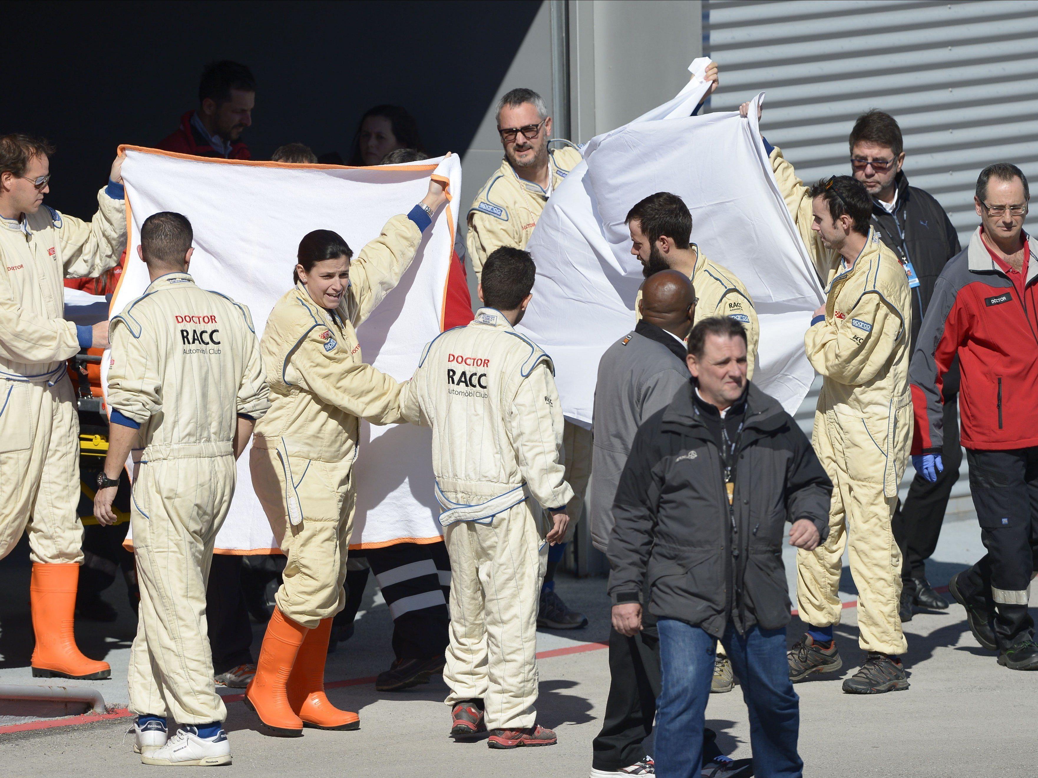Alonso nach Unfall bei Tests im Krankenhaus