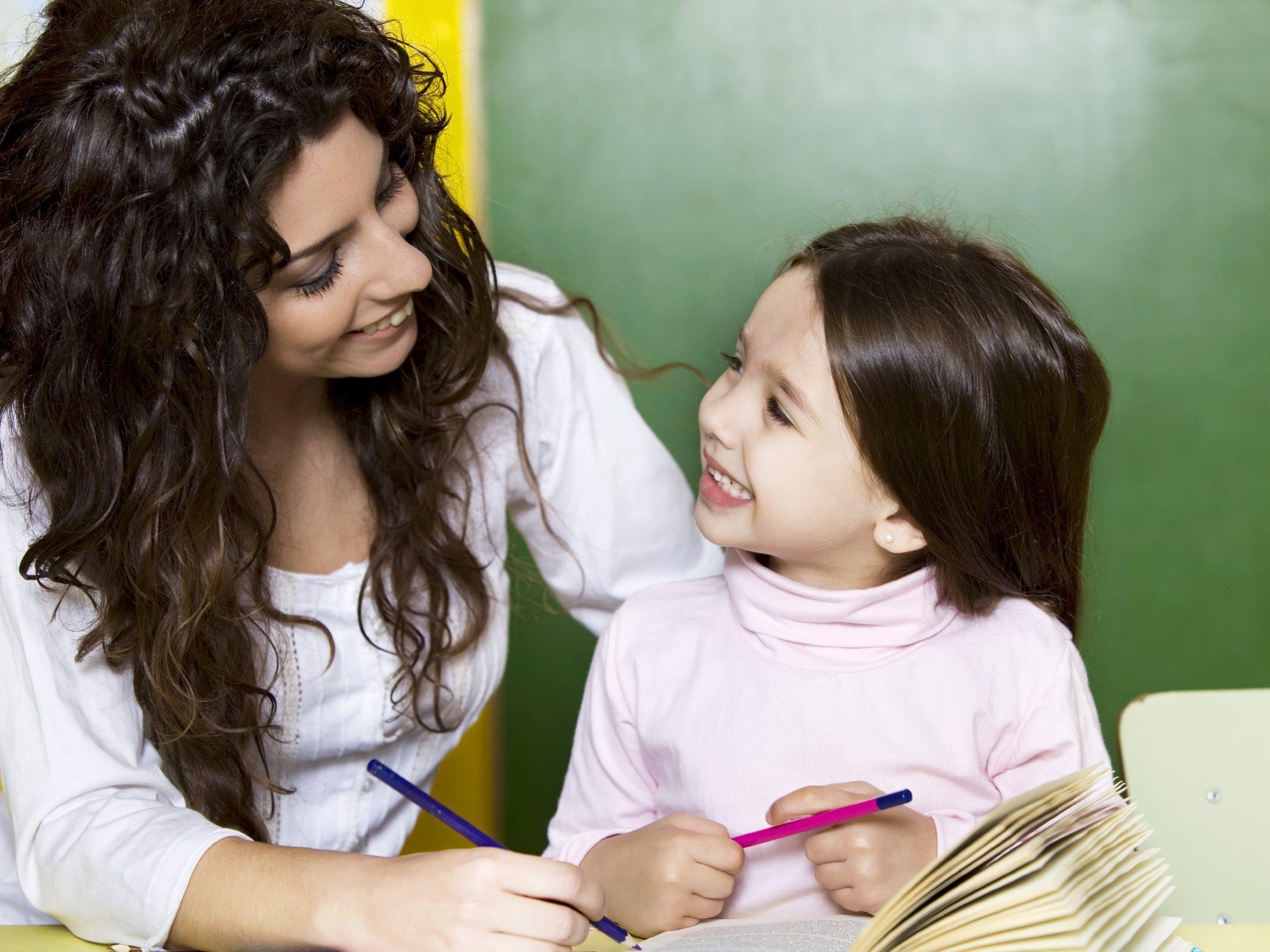 Je früher Kinder zwei Sprachen lernen, desto besser.