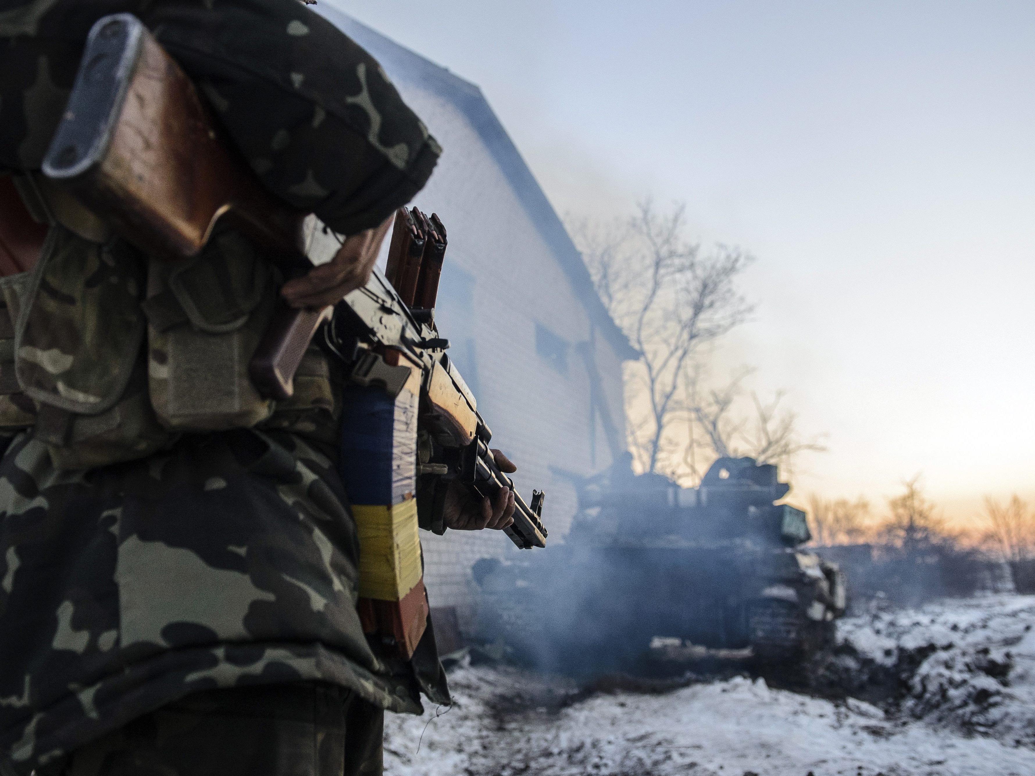 Was geschieht mit den 8.000 Soldaten im Kessel von Debalzewe?