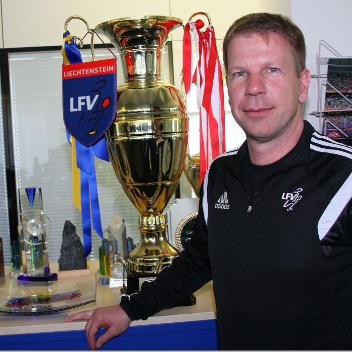 Liechtenstein Nationalteamcoach Rene Pauritsch hofft gegen Österreich auf eine Sensation.
