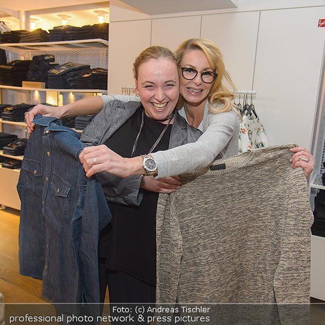 Zahlreiche Promis beim Carlings Jeans Store-Opening in Wien.