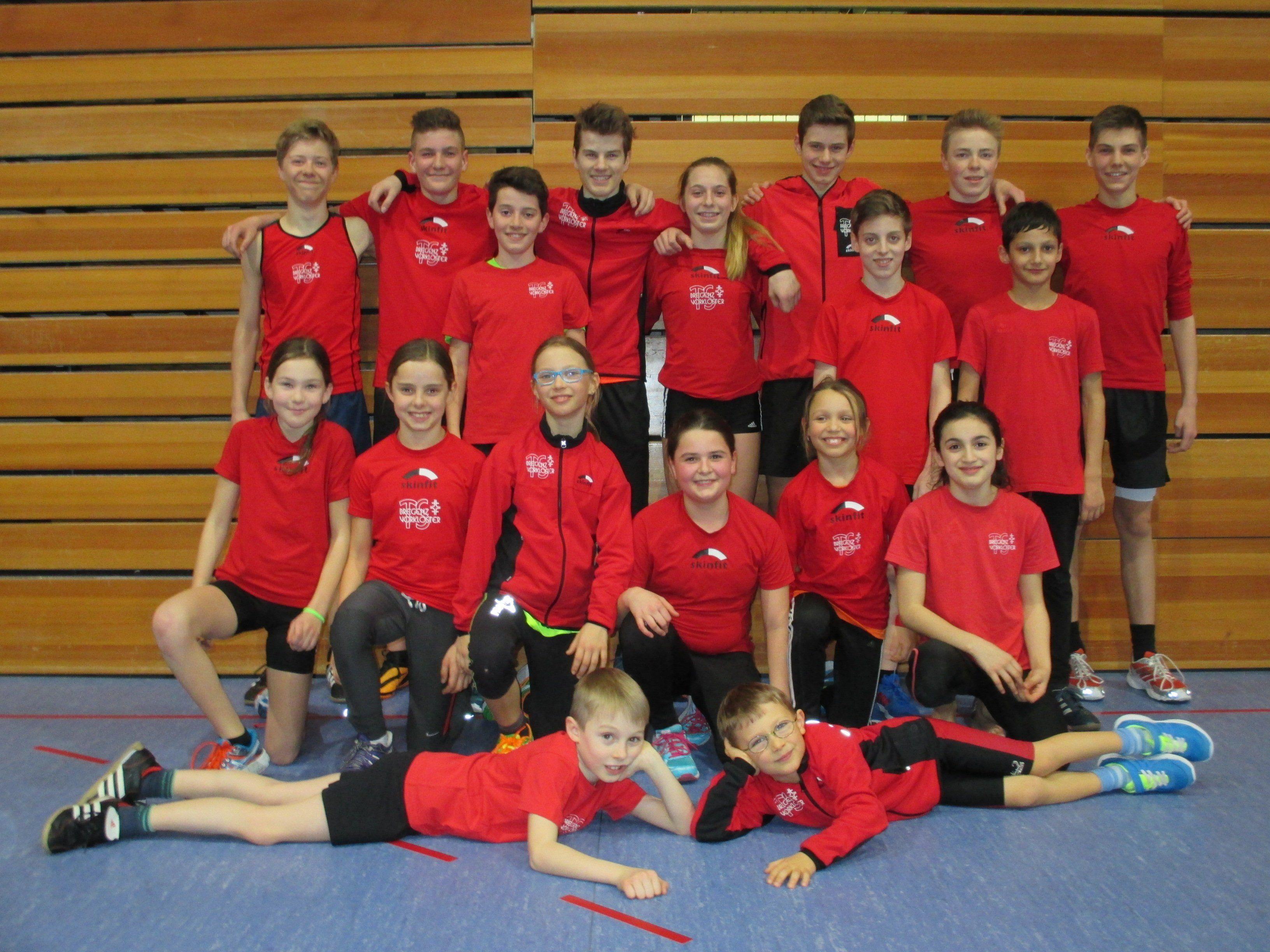Die Teilnehmer der TS Bregenz-Vorkloster an den Crosslauf-Meisterschaften.